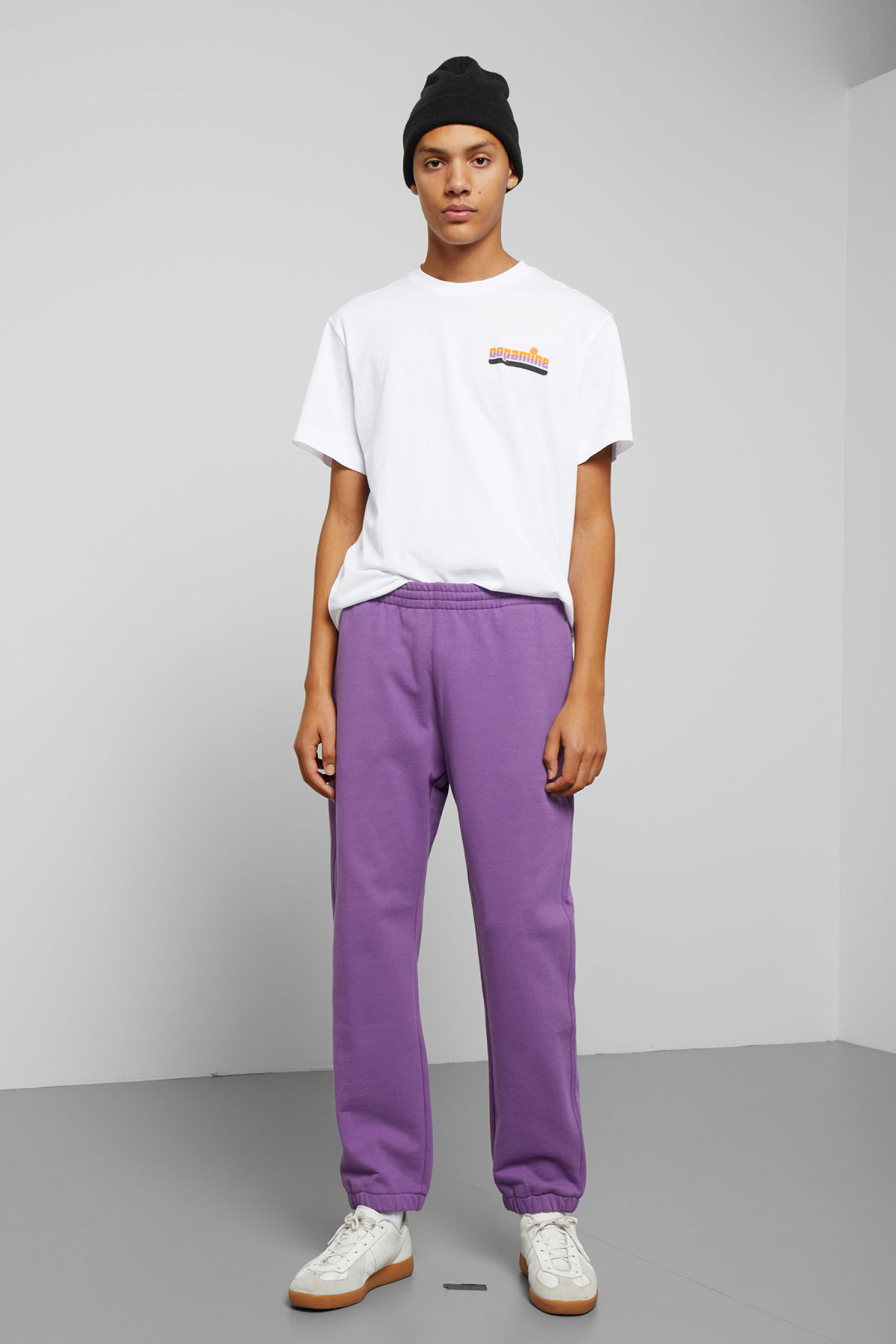 Model front image of Weekday mike sweatpants in purple
