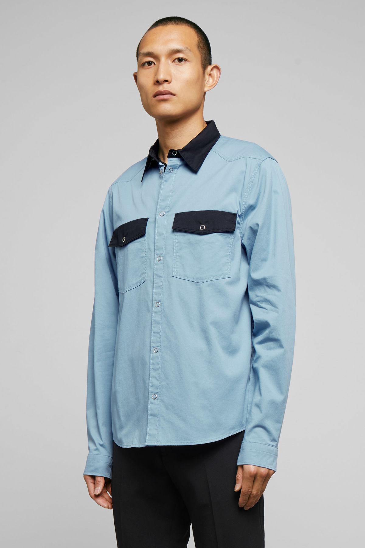 Model front image of Weekday wayne shirt in blue