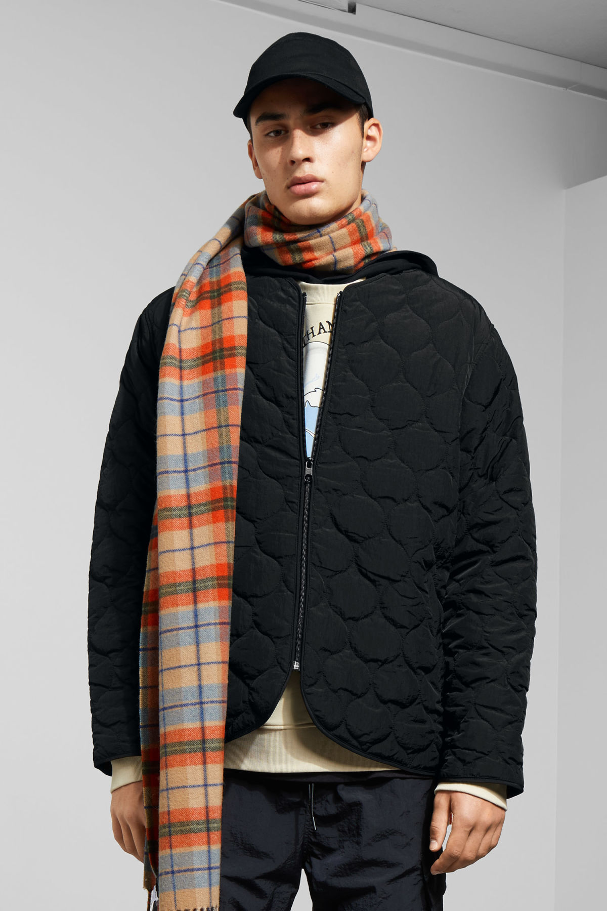 Model front image of Weekday makalu quilted jacket in black