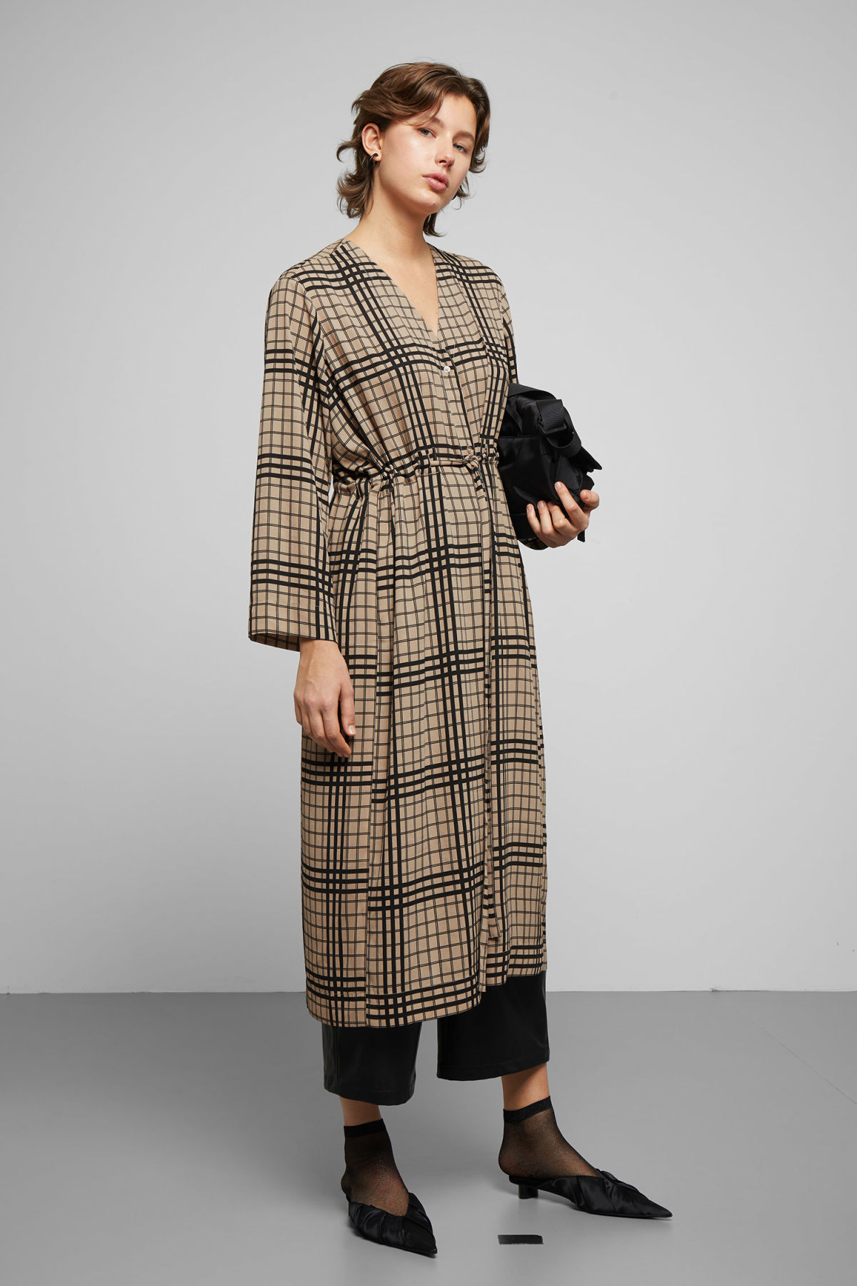 Model front image of Weekday chalk long sleeve dress in beige