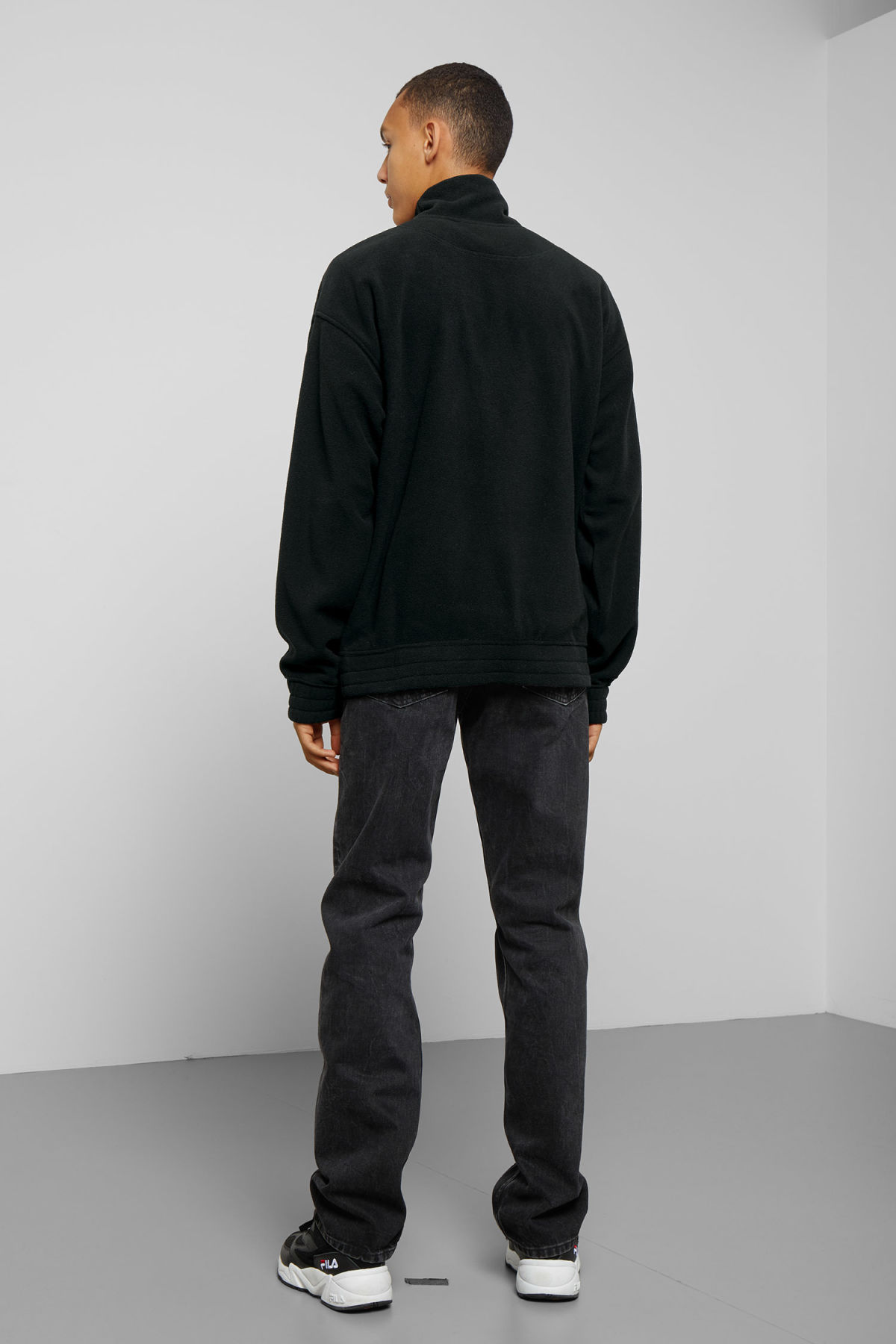 Model back image of Weekday micro halfzip sweatshirt in black