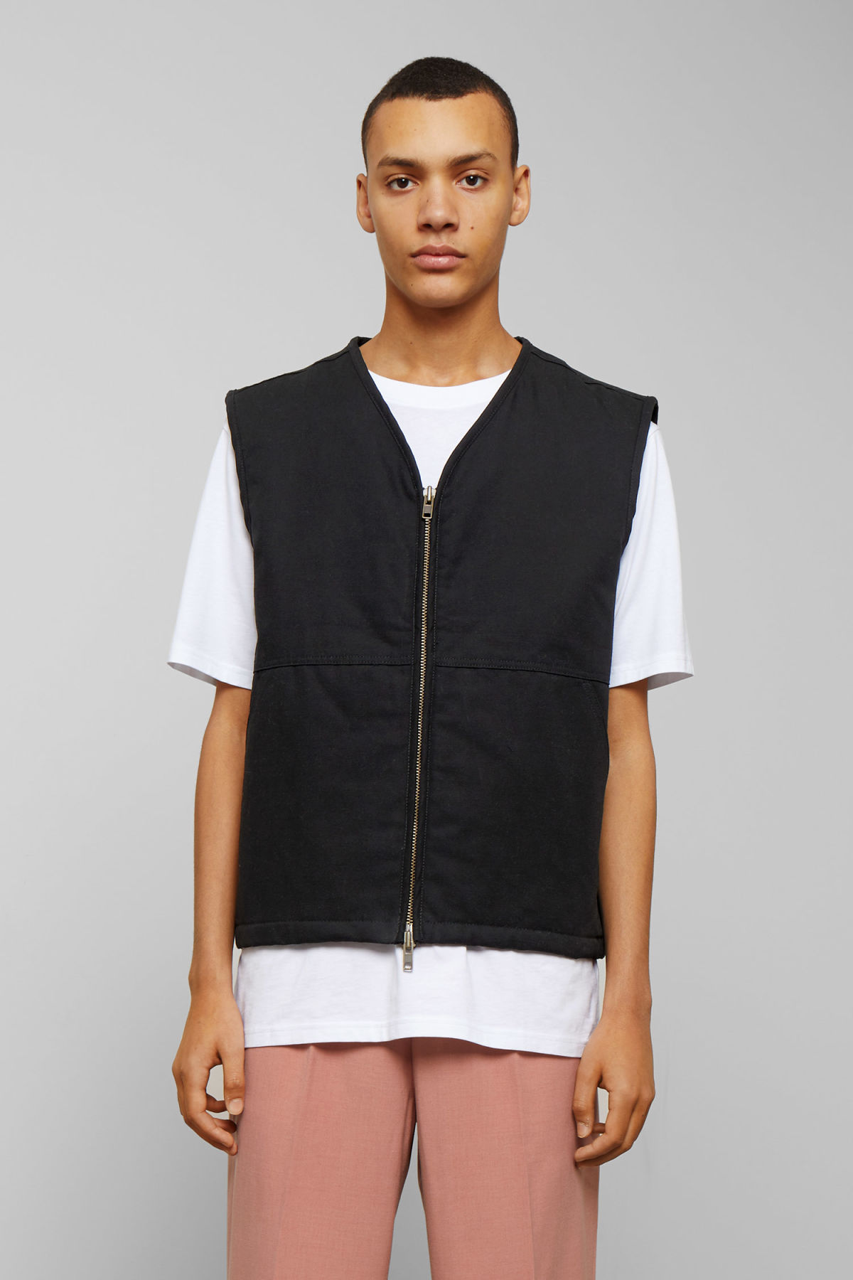 Model front image of Weekday emanuel canvas vest in black