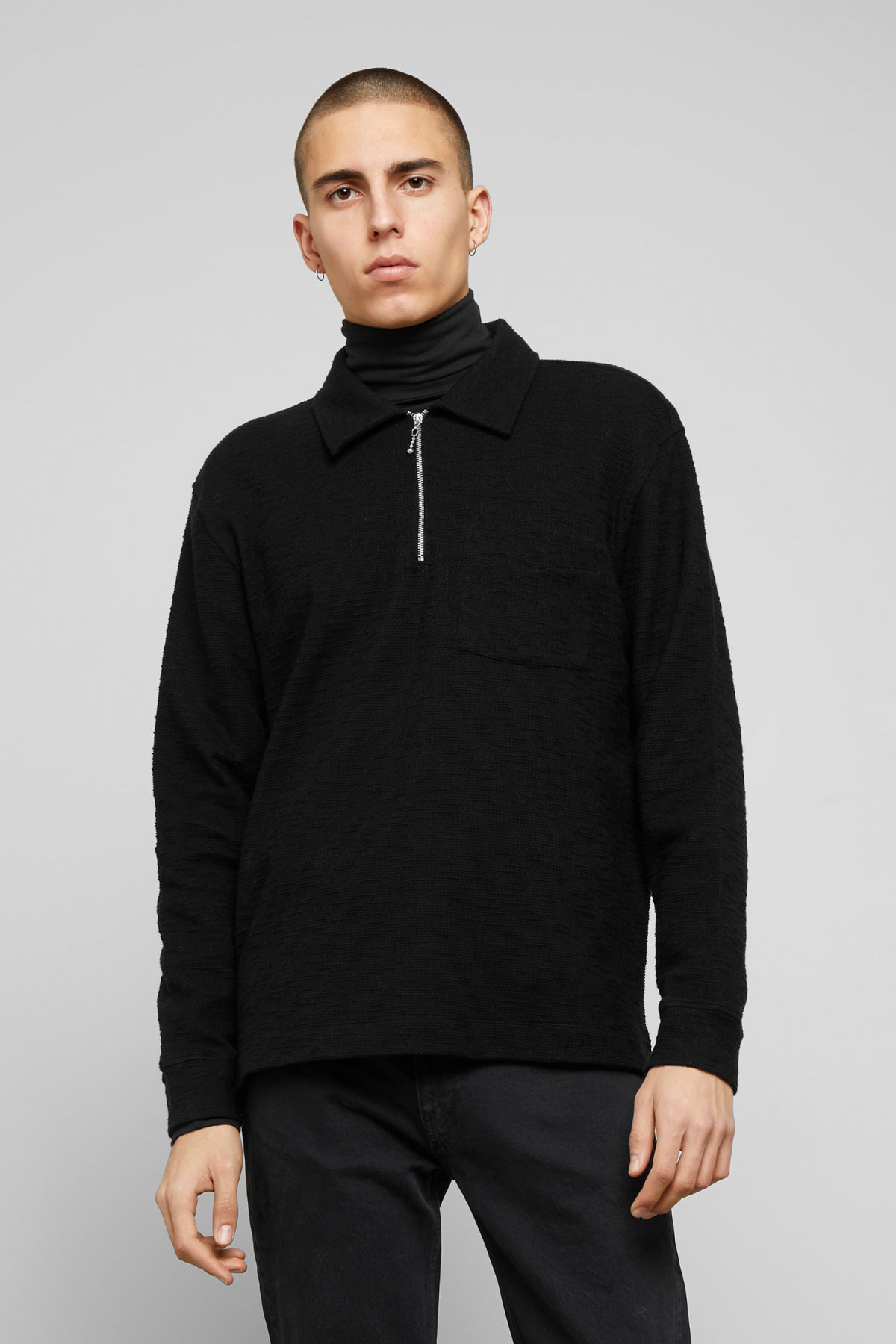 Model front image of Weekday nilo shawl collar in black
