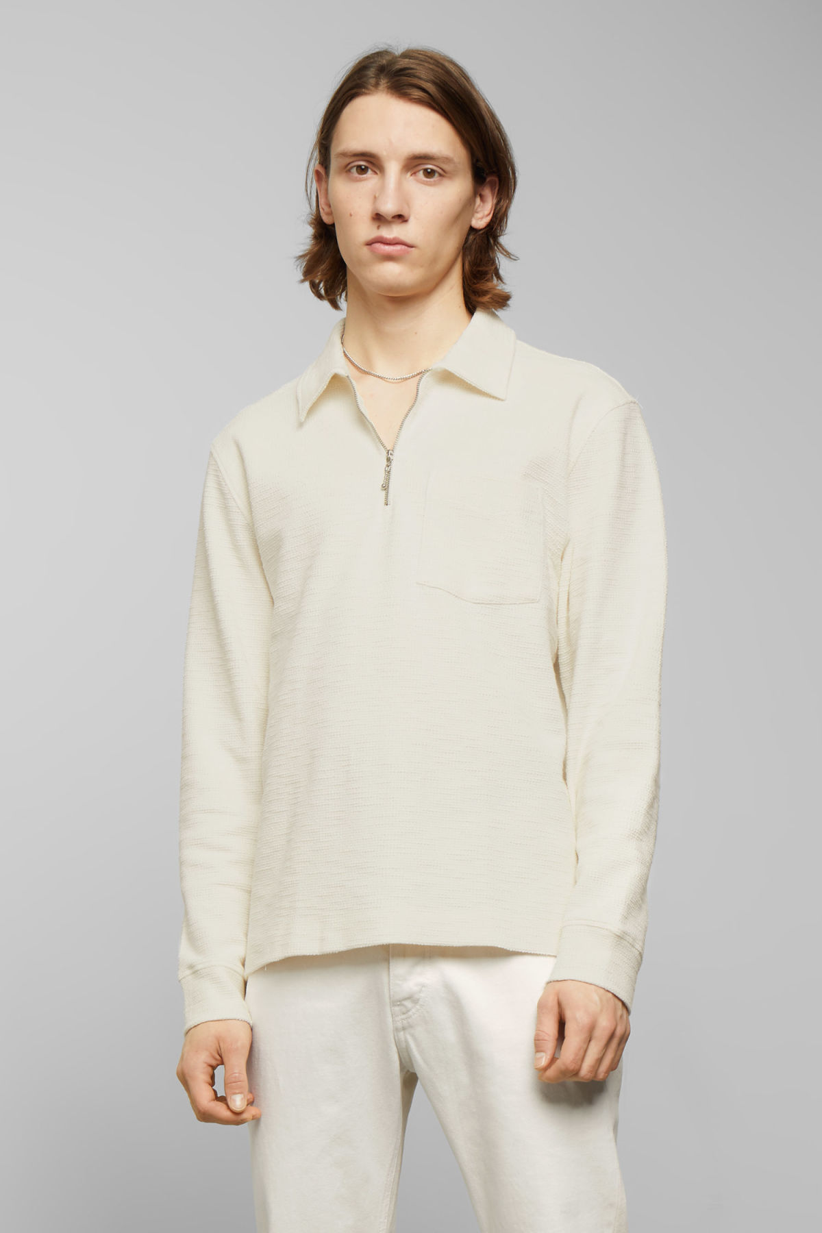 Model front image of Weekday nilo long sleeve in white