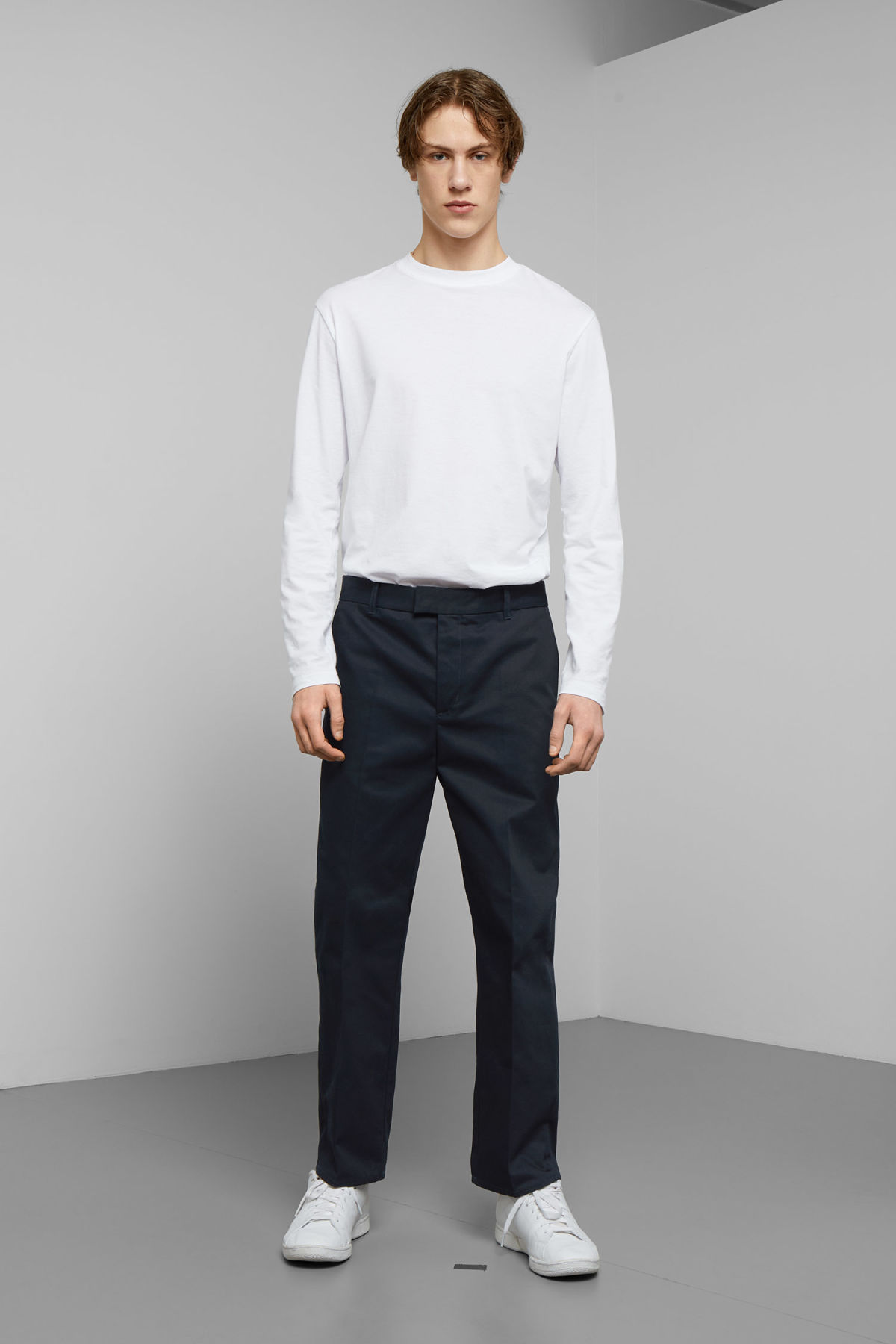 Model front image of Weekday tucker trousers in blue