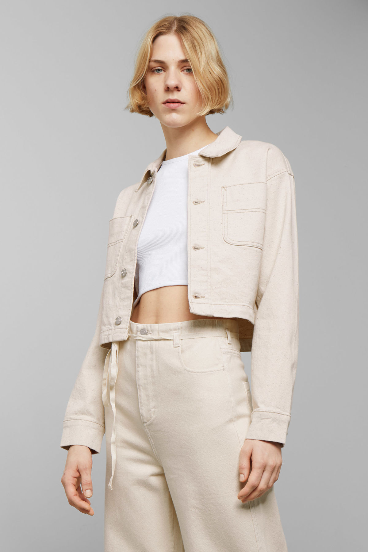 Model front image of Weekday marybeth jacket in beige