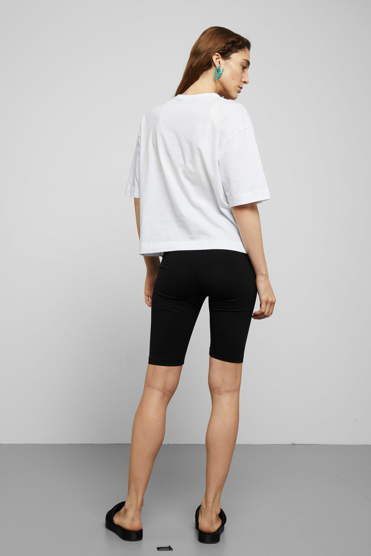 Model back image of Weekday terra t-shirt in white