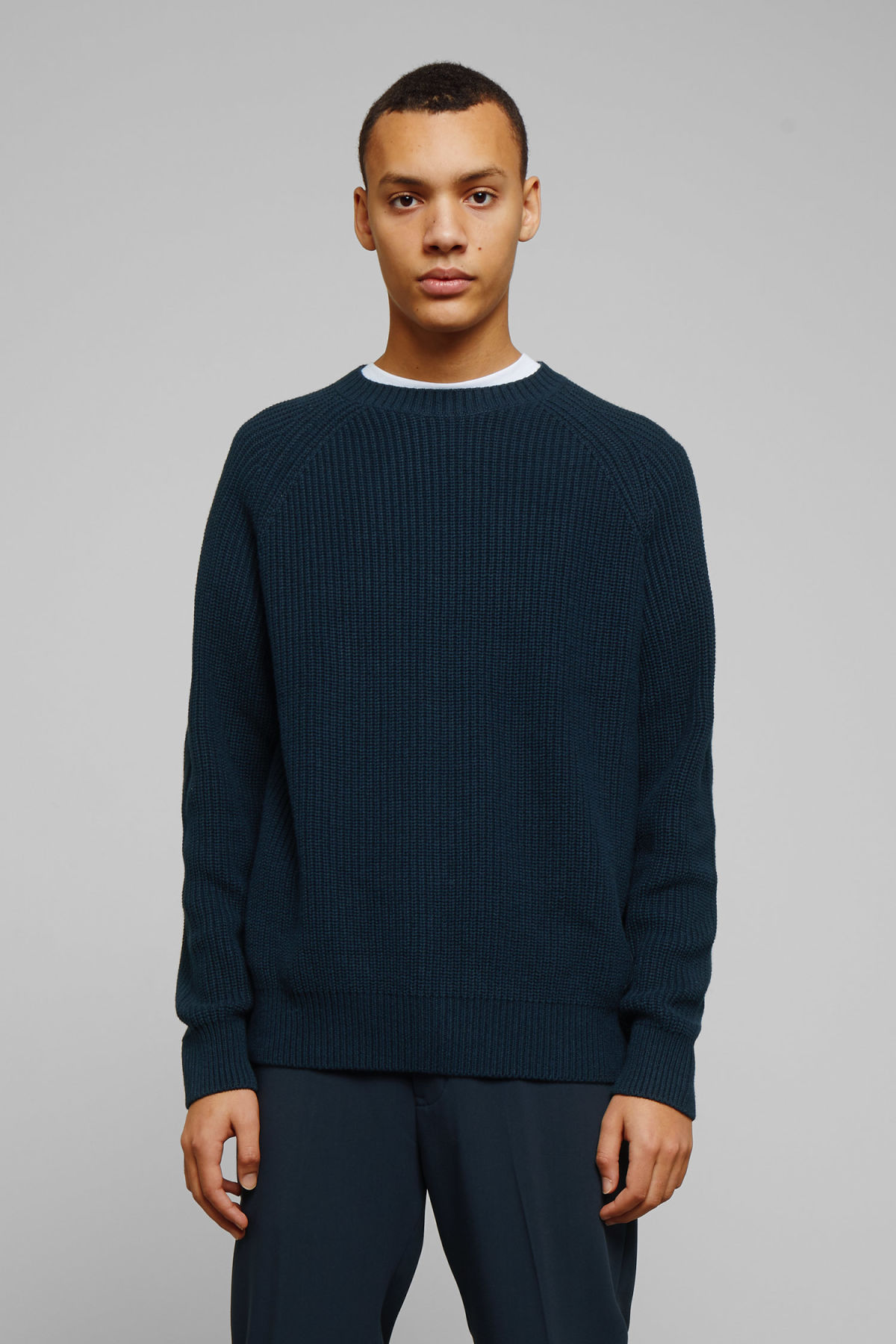 Model front image of Weekday sterling sweater in blue