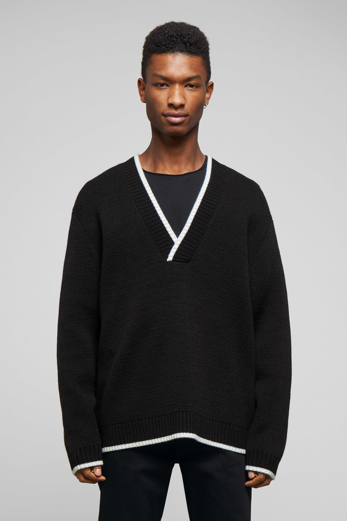 Model front image of Weekday per v-neck sweater in black