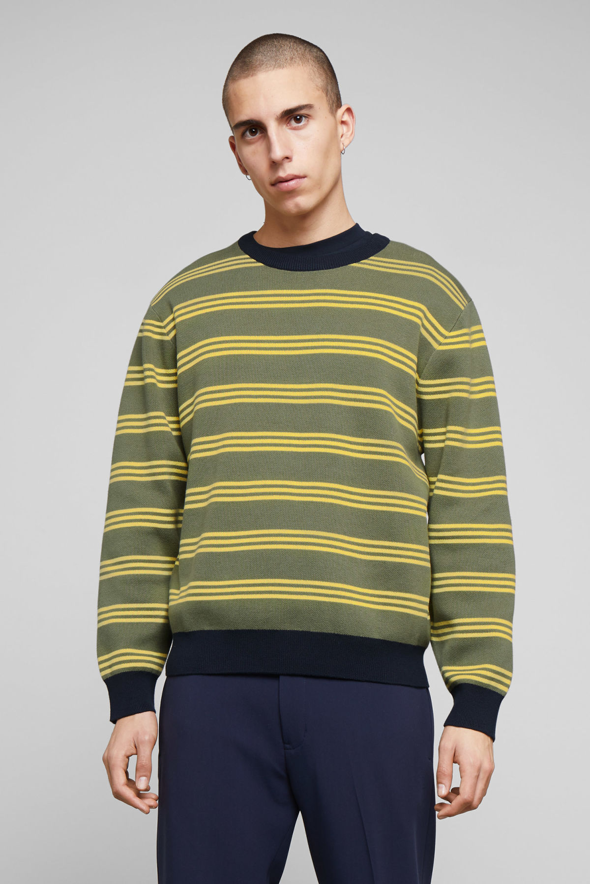 Model front image of Weekday johan striped sweater in green