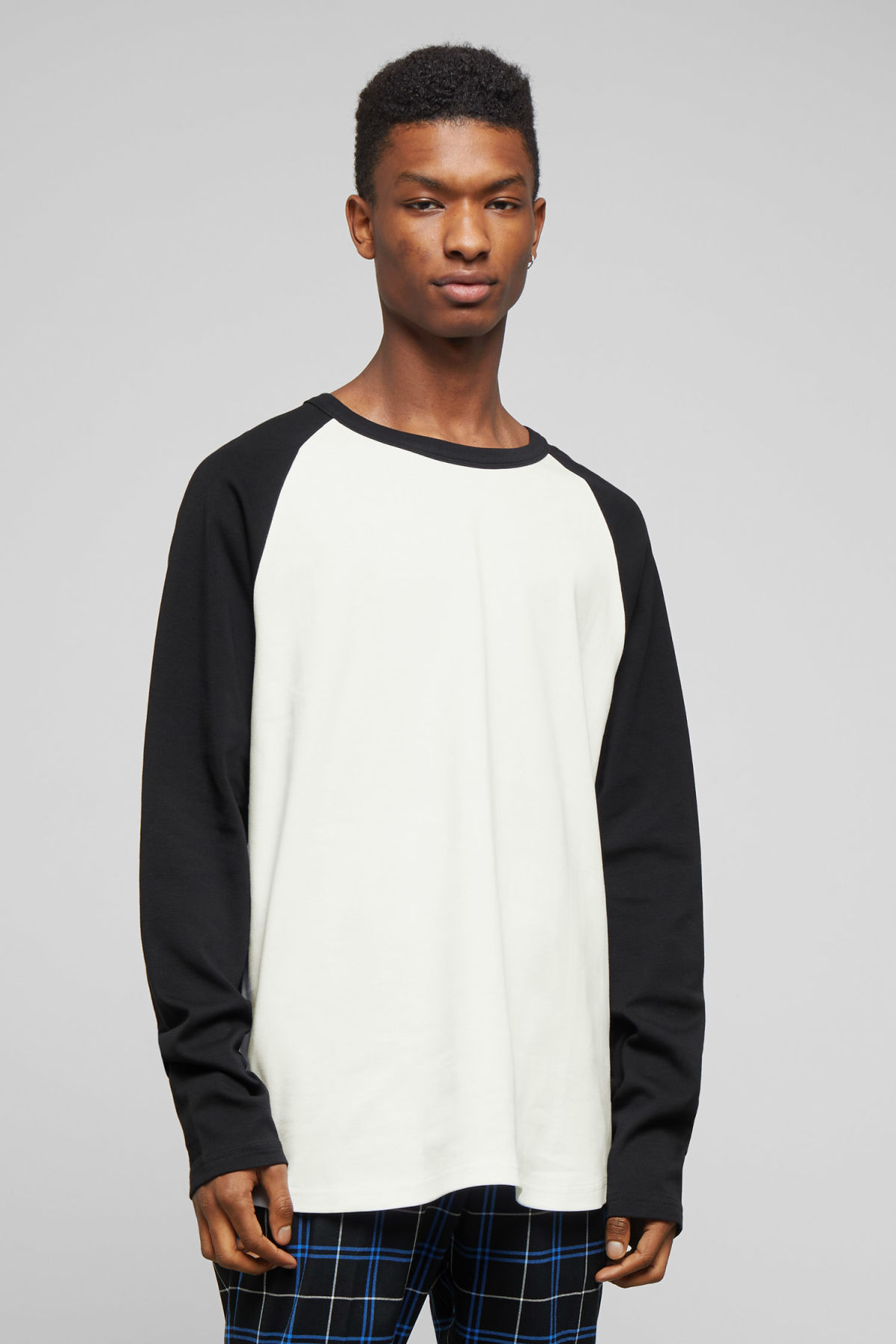 Model front image of Weekday rupert long sleeve in black