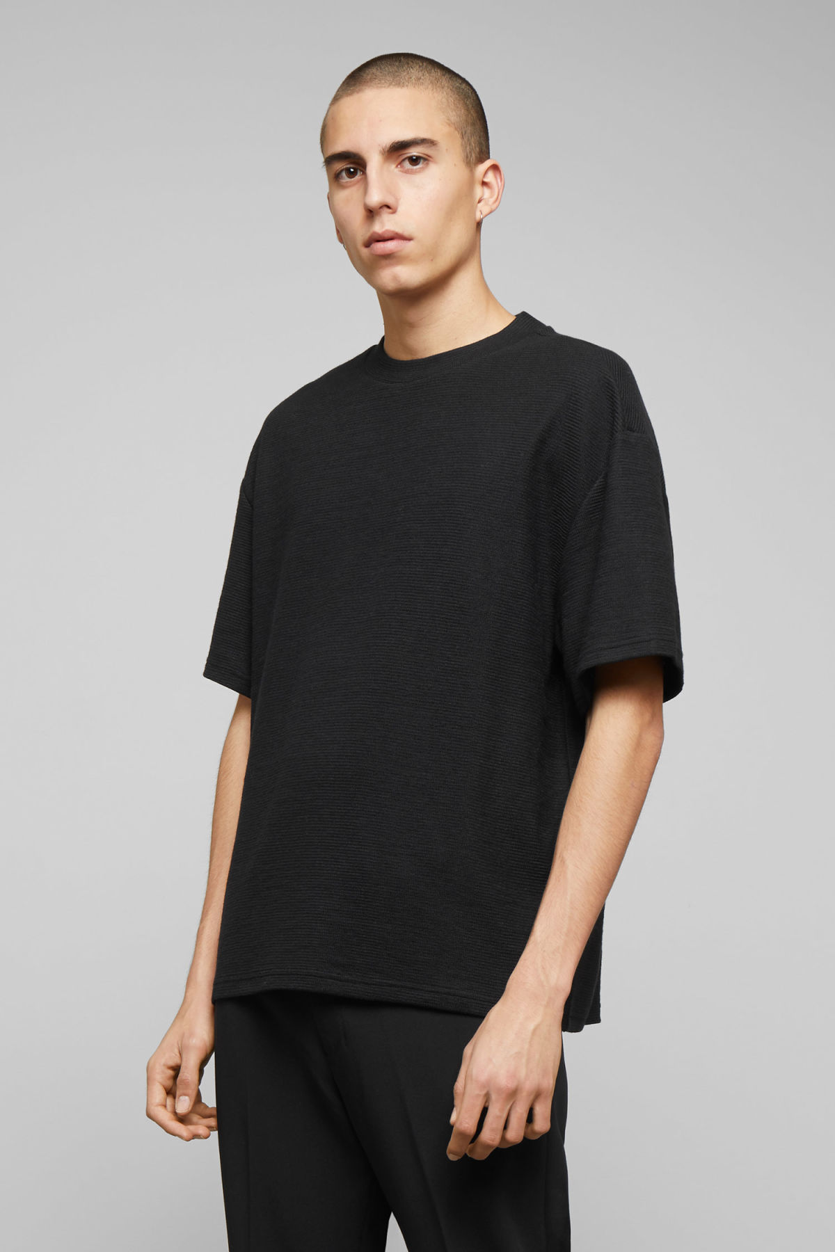 Model front image of Weekday grand t-shirt in black