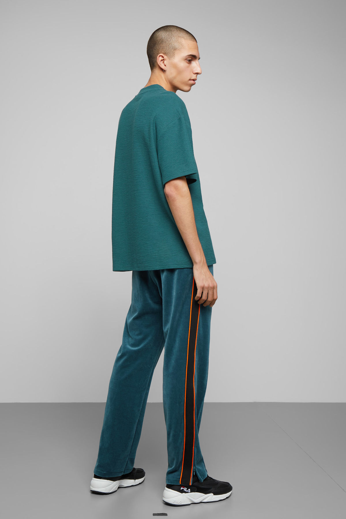 Model back image of Weekday grand t-shirt in turquoise