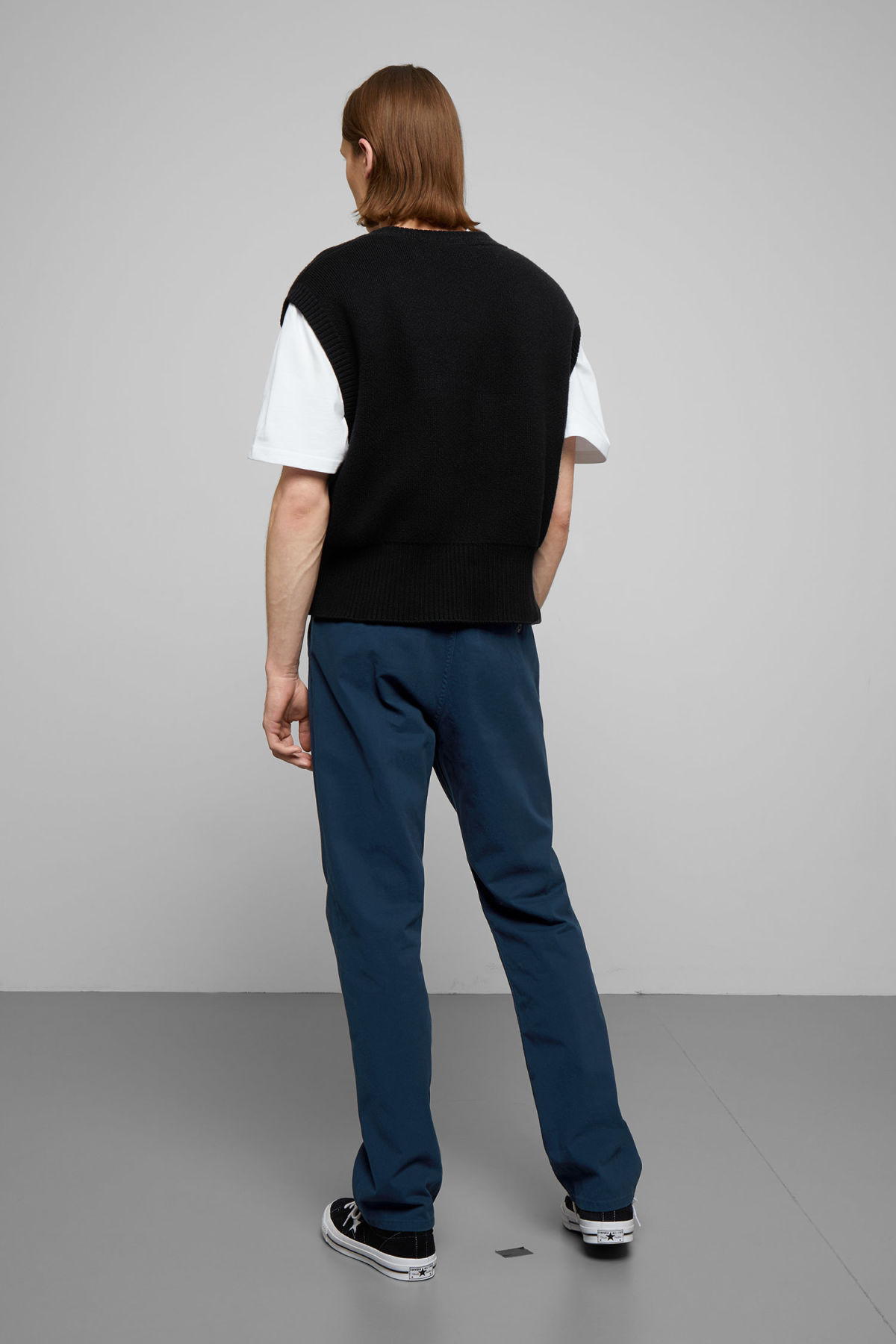 Model back image of Weekday harold chinos in blue