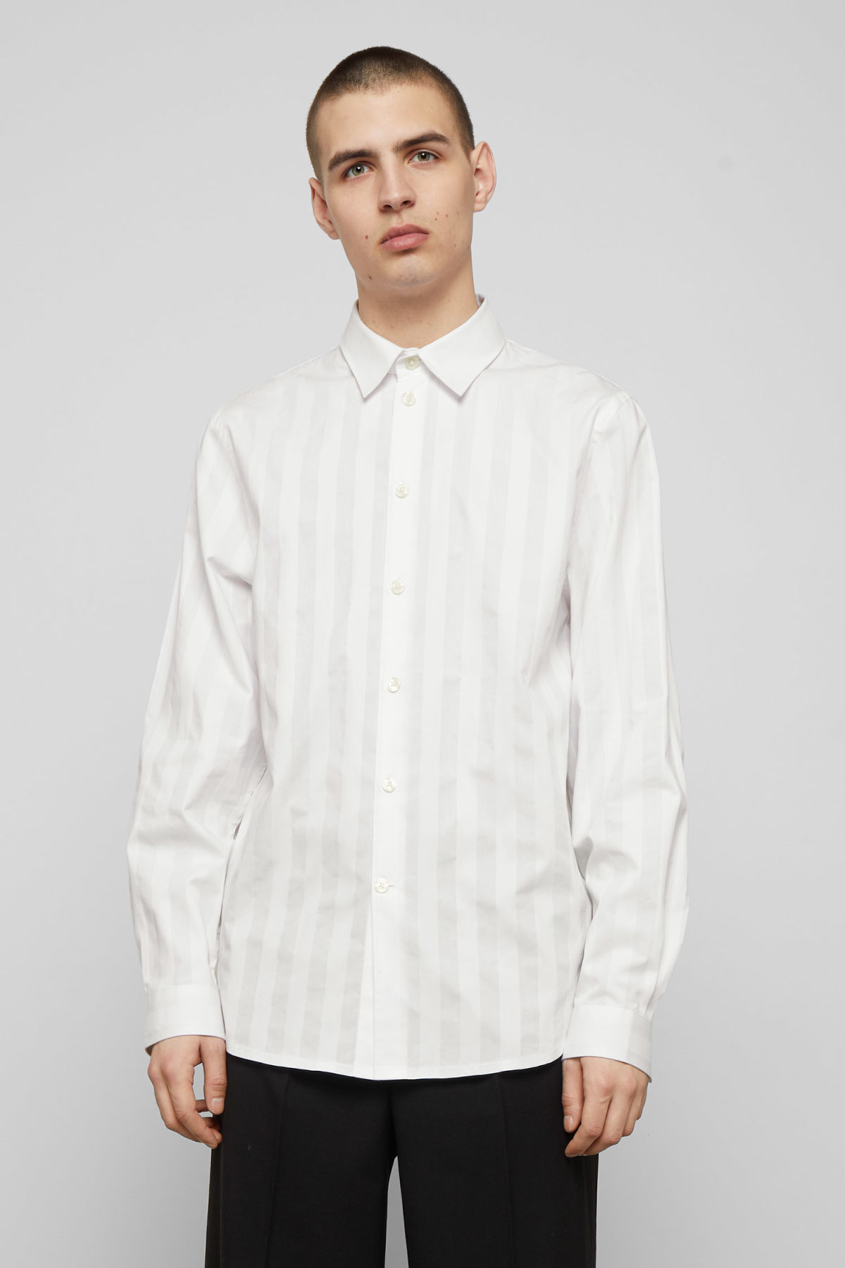 Model front image of Weekday miguel shirt in white