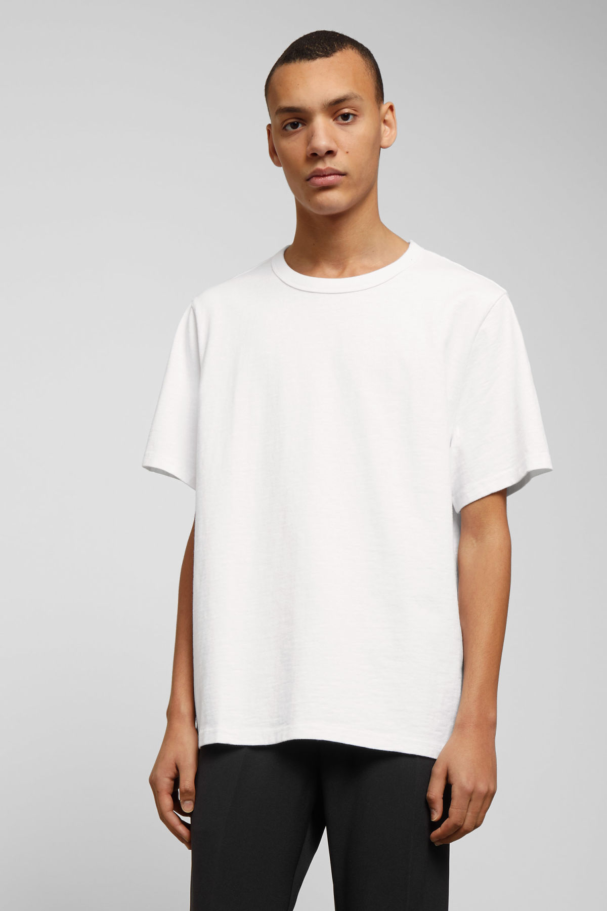 Model front image of Weekday gabriel t-shirt in white