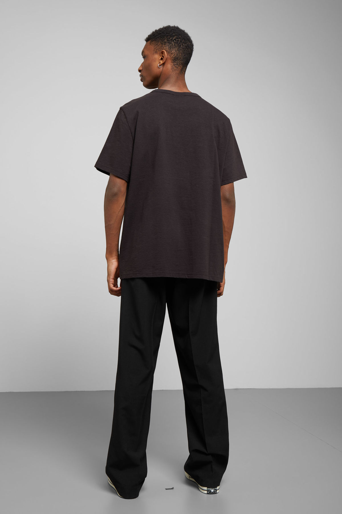 Model back image of Weekday gabriel t-shirt in black