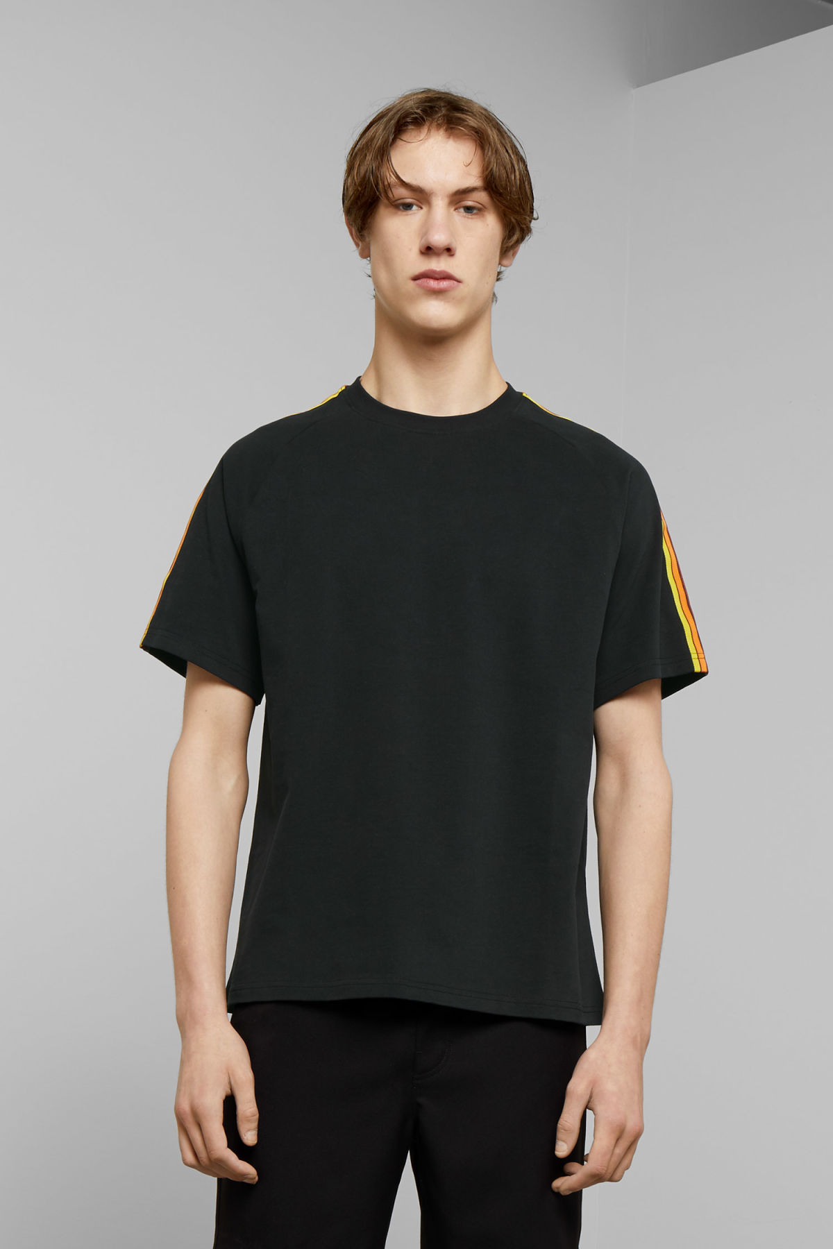 Model front image of Weekday rodger t-shirt in black