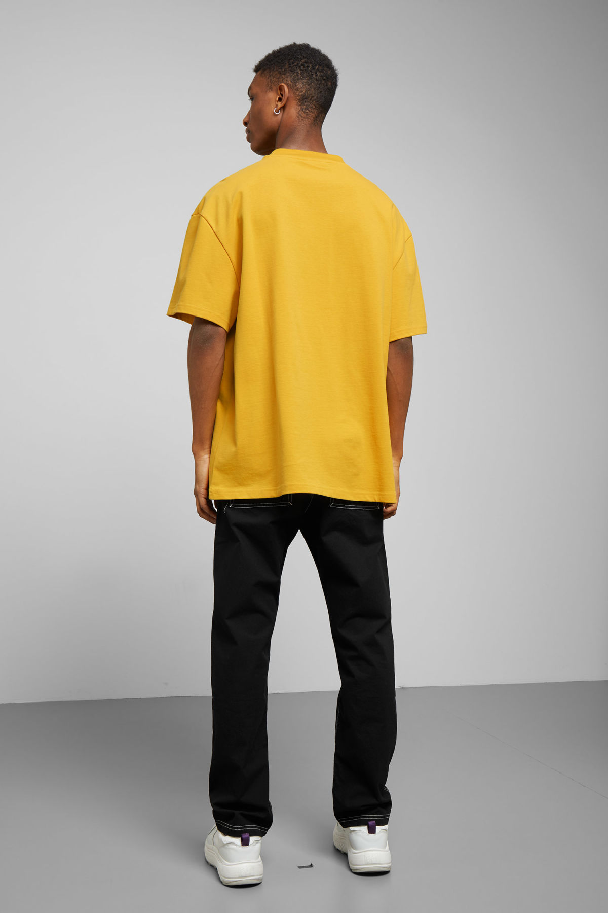 Model back image of Weekday great fantasy t-shirt in yellow
