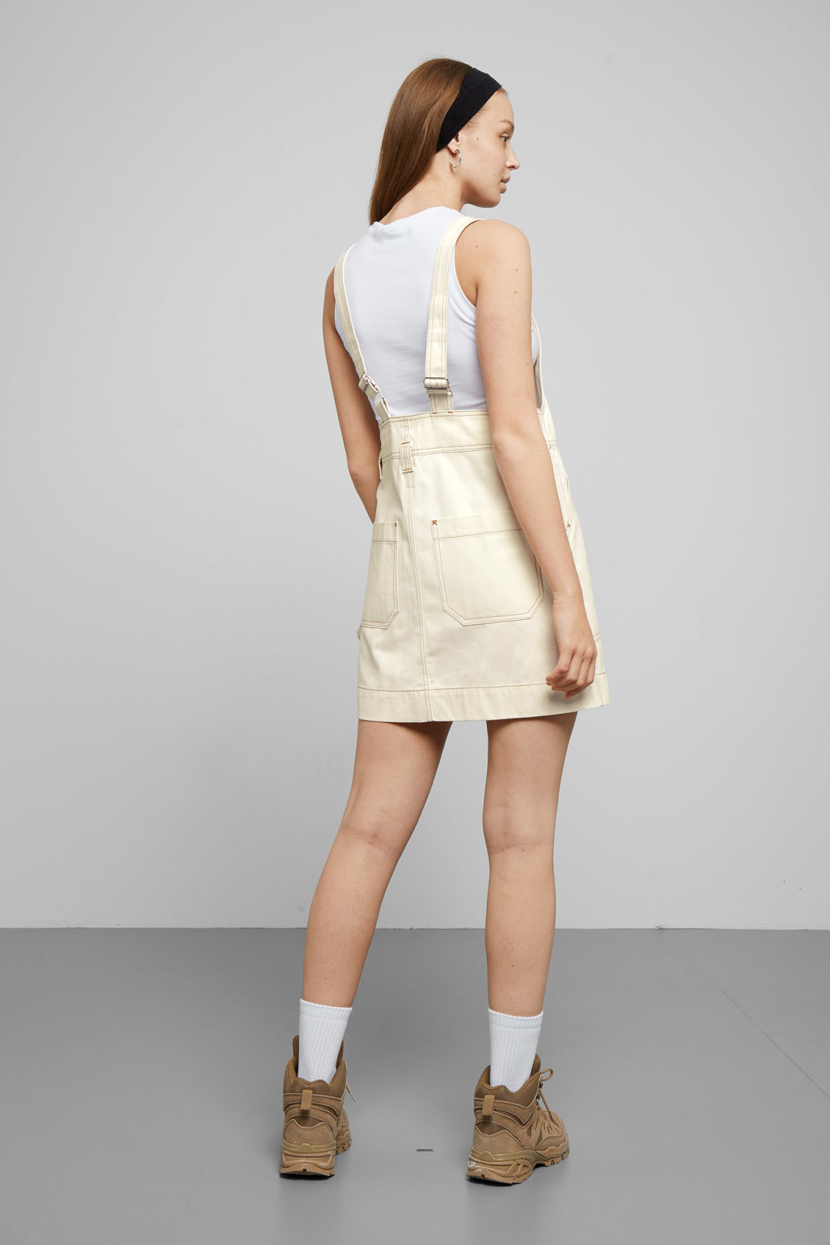 Model back image of Weekday grow workwear dress in white