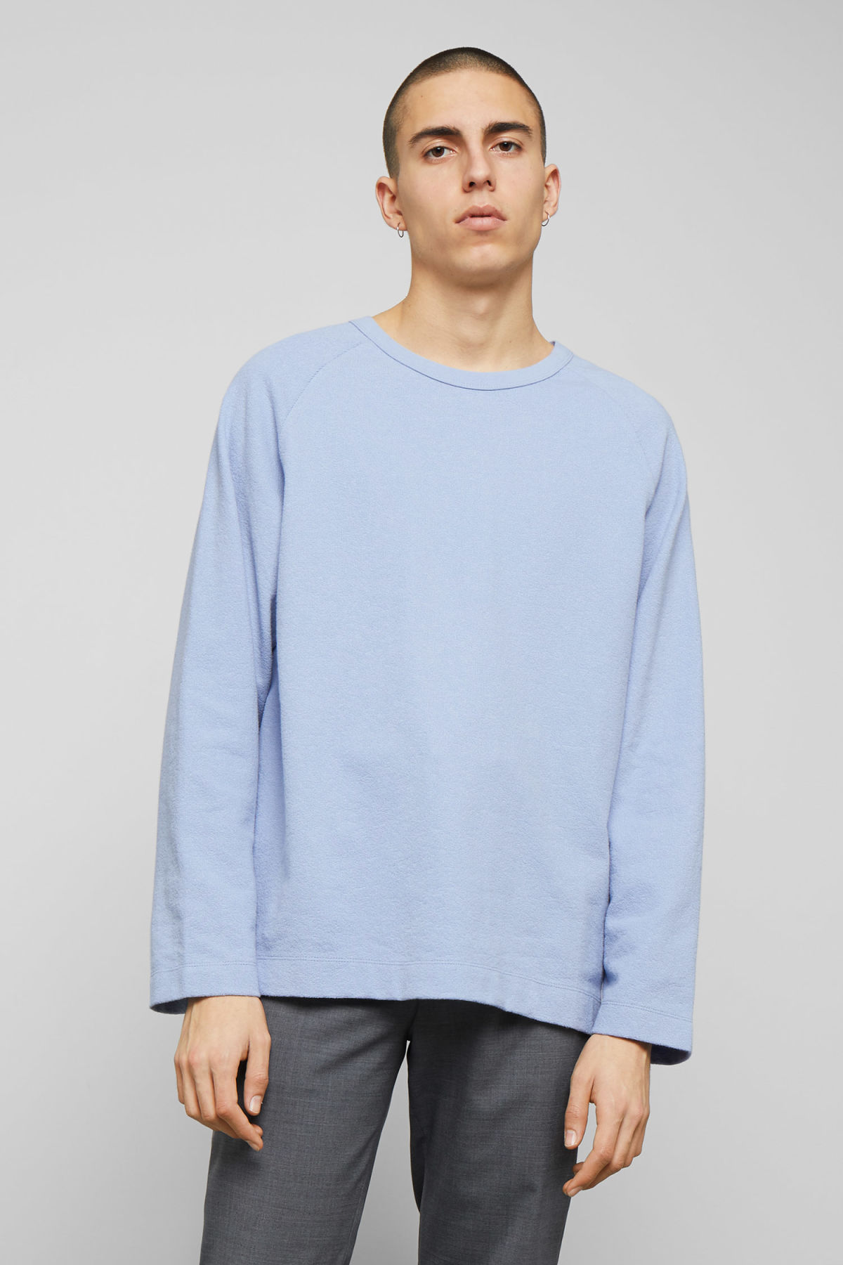 Model front image of Weekday morty longsleeve in blue