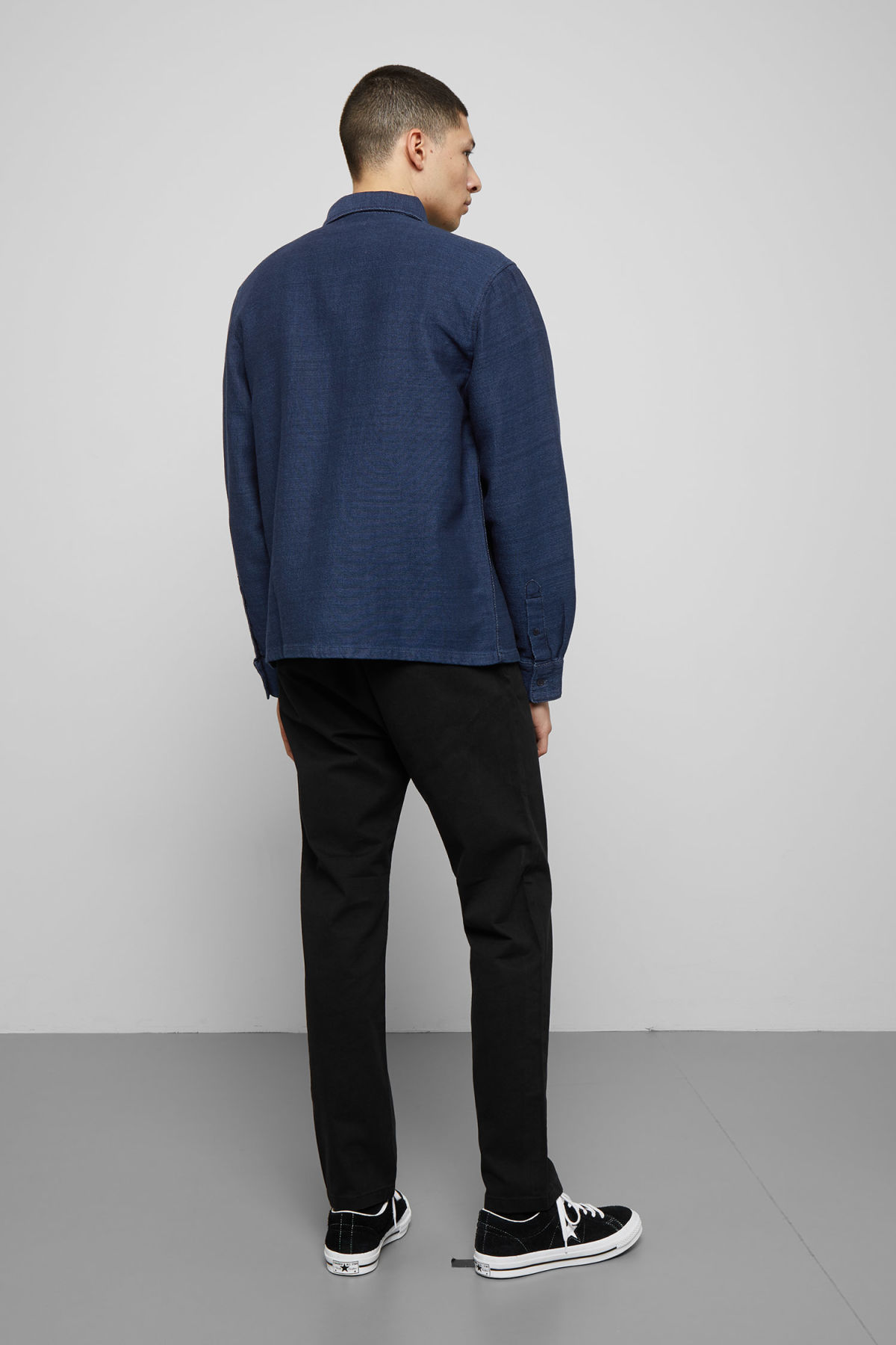 Model back image of Weekday wise wavy blue denim shirt  in blue
