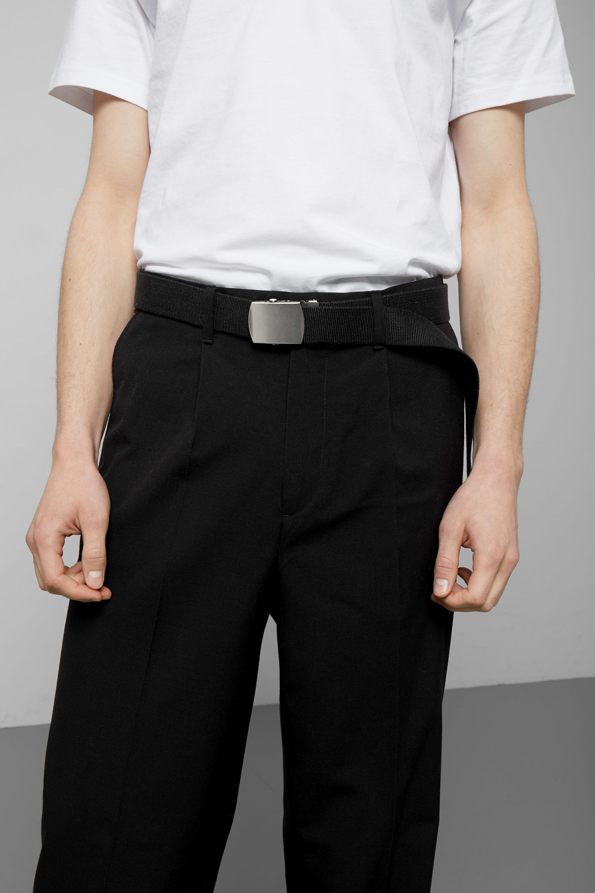 Model front image of Weekday adrian belt in black