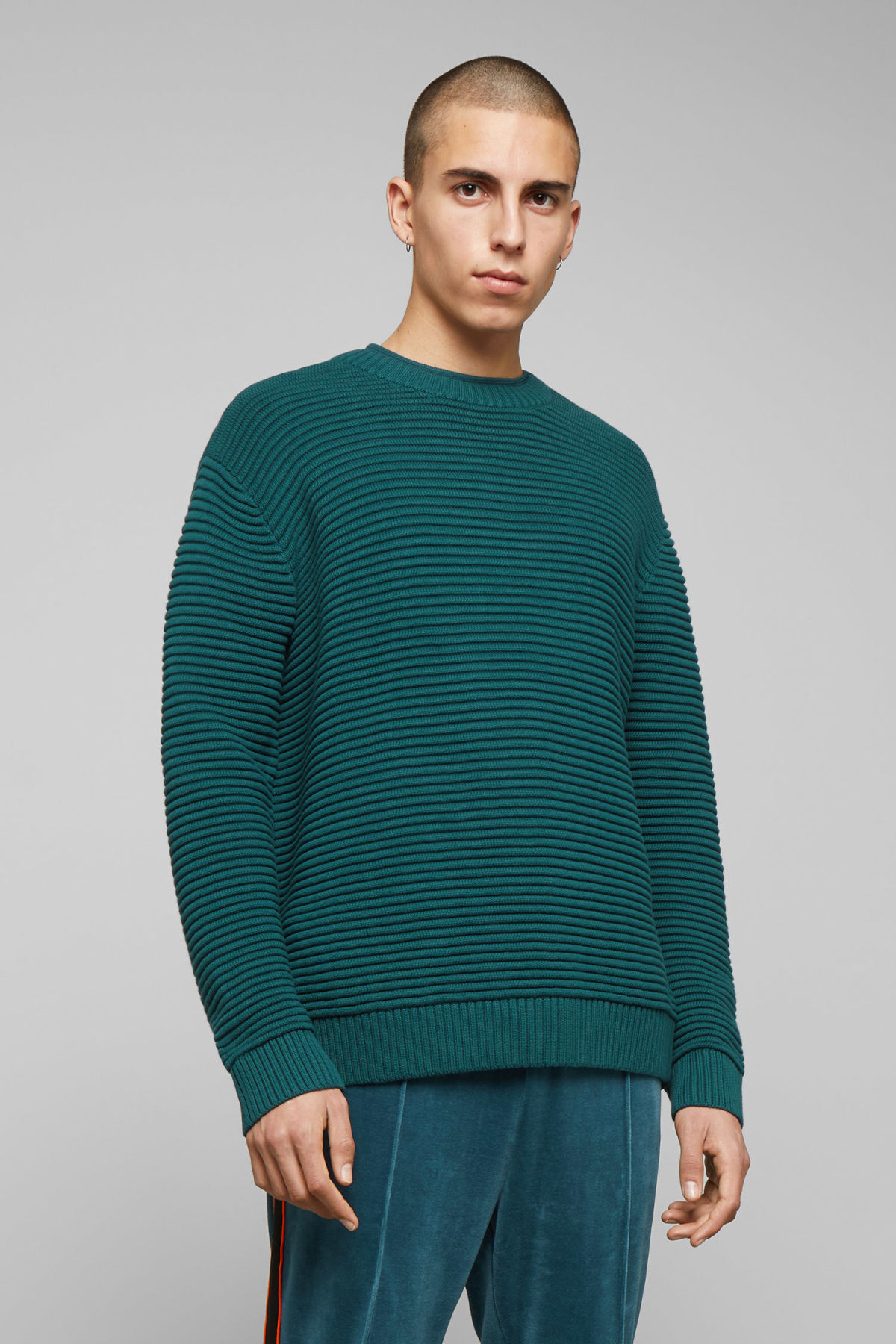 Model front image of Weekday smyth waffle sweater  in turquoise