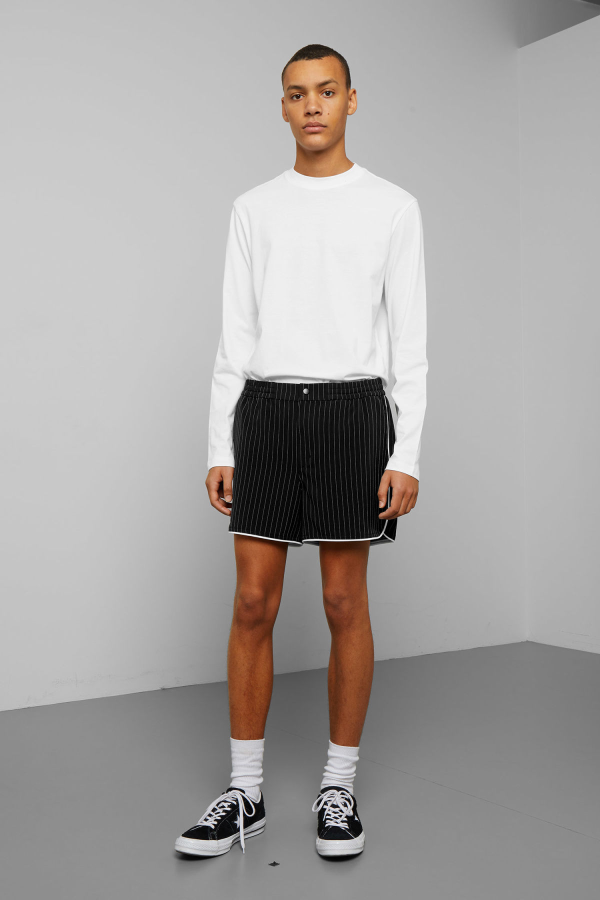 Model front image of Weekday clean shorts in black