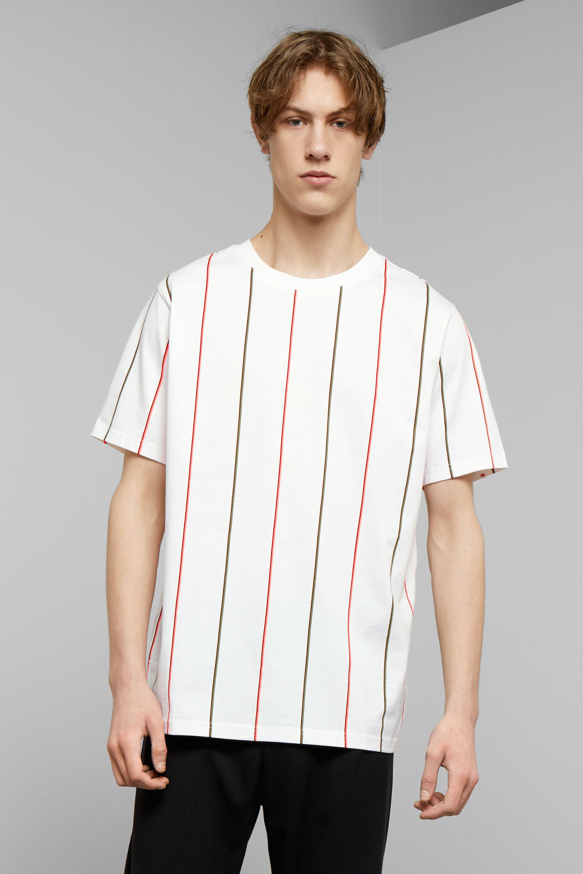 Model front image of Weekday frank vertical t-shirt in white