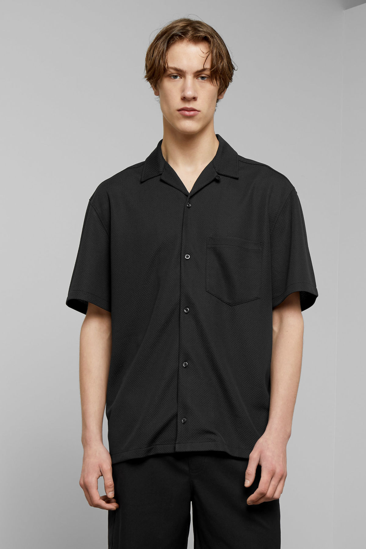 Model front image of Weekday skyway shirt  in black