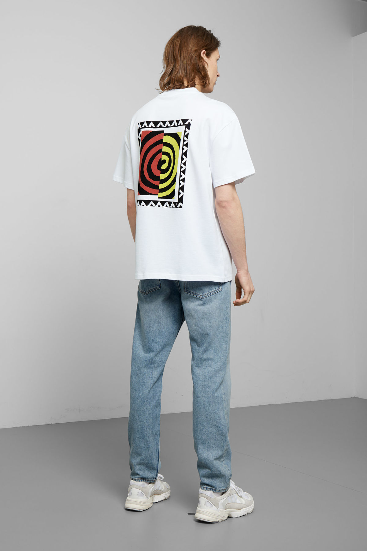 Model back image of Weekday great swirl t-shirt in white