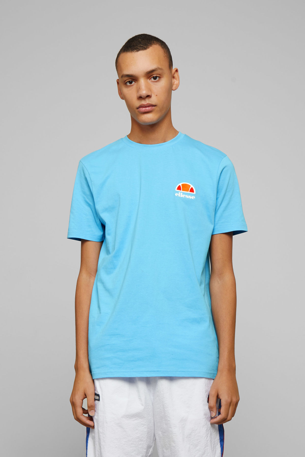 Model front image of Weekday canaletto t-shirt in blue