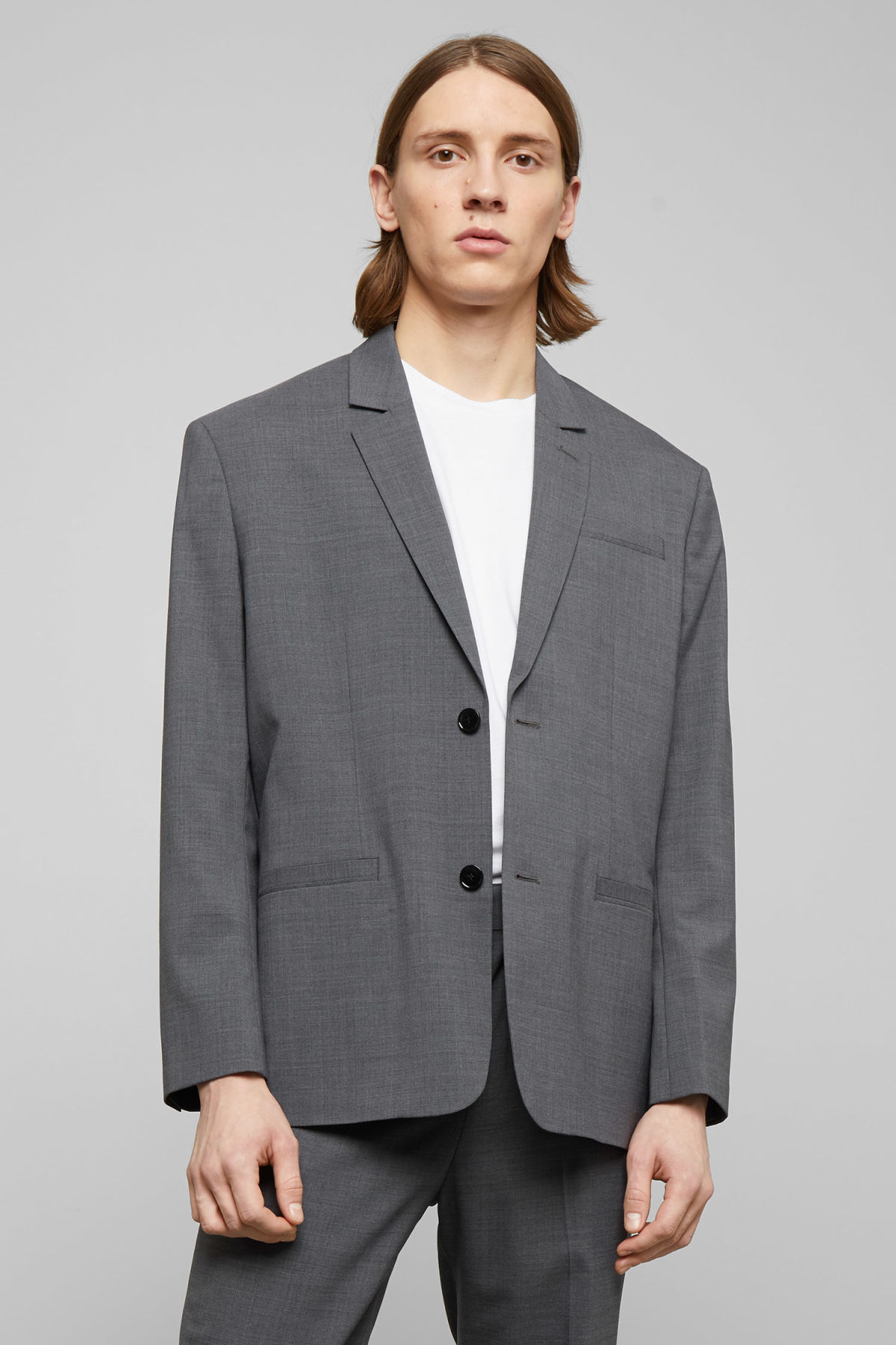 Model front image of Weekday eugen suit jacket in grey