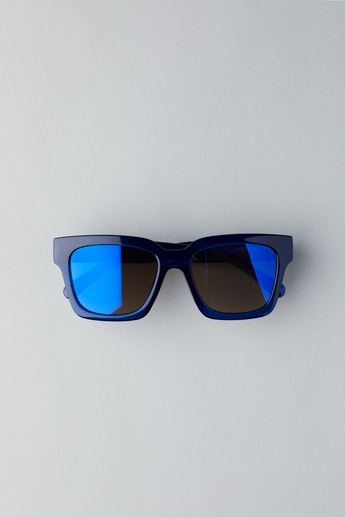 Front image of Weekday exit oversized sunglasses in blue