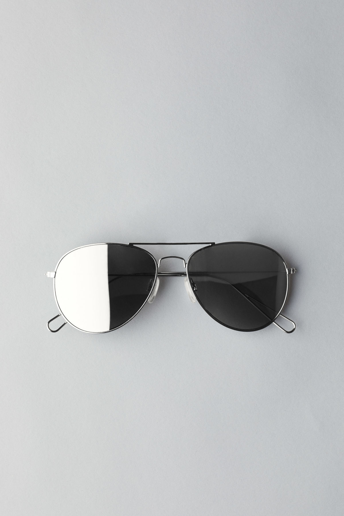 Weekday Tour Aviator Sunglasses - Silver 5m01E71h