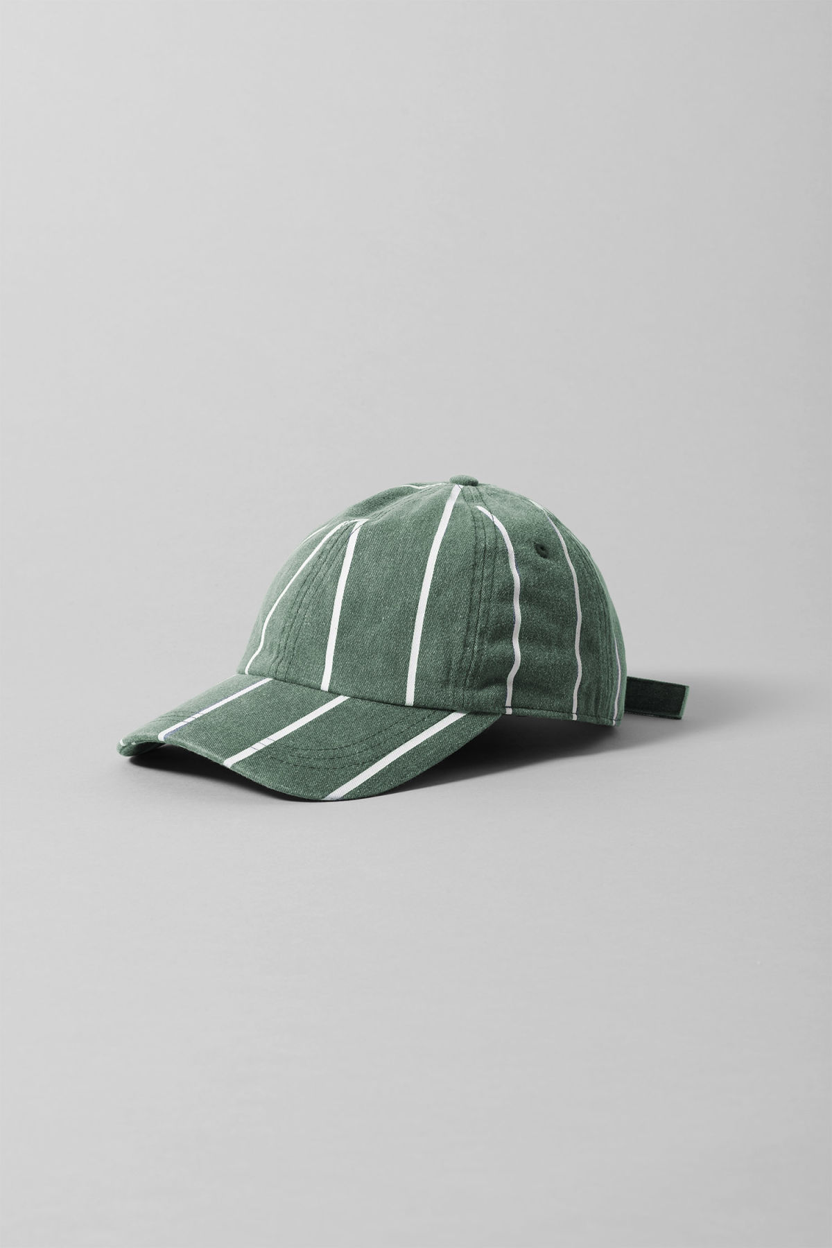 Front image of Weekday cusp cap  in green