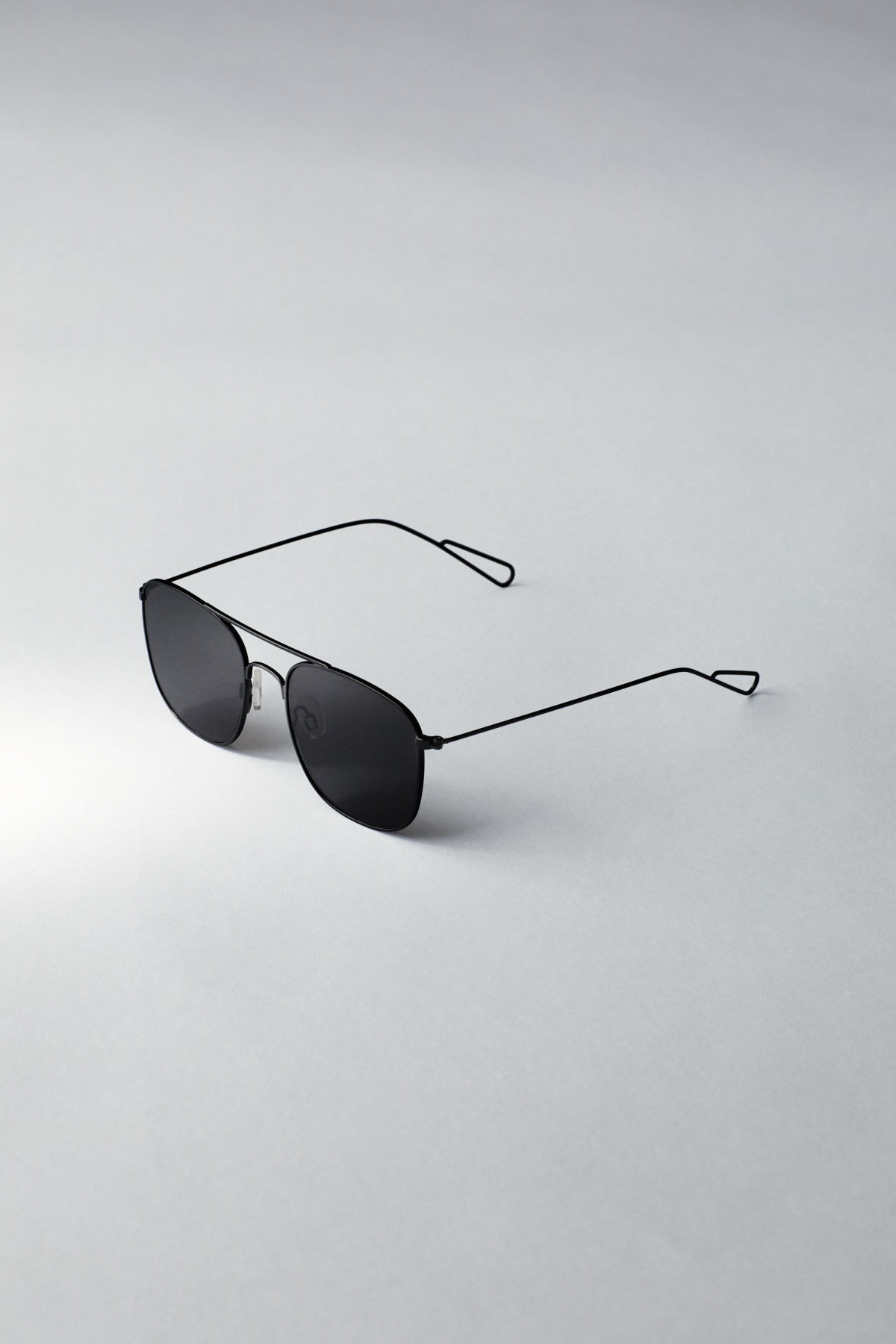 Back image of Weekday cargo squared sunglasses in black