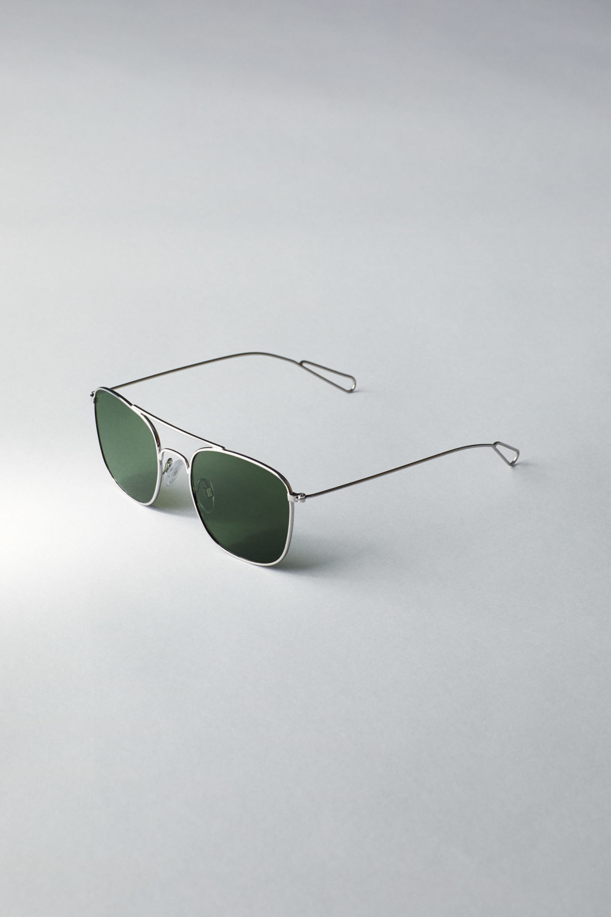 Back image of Weekday cargo squared sunglasses in silver