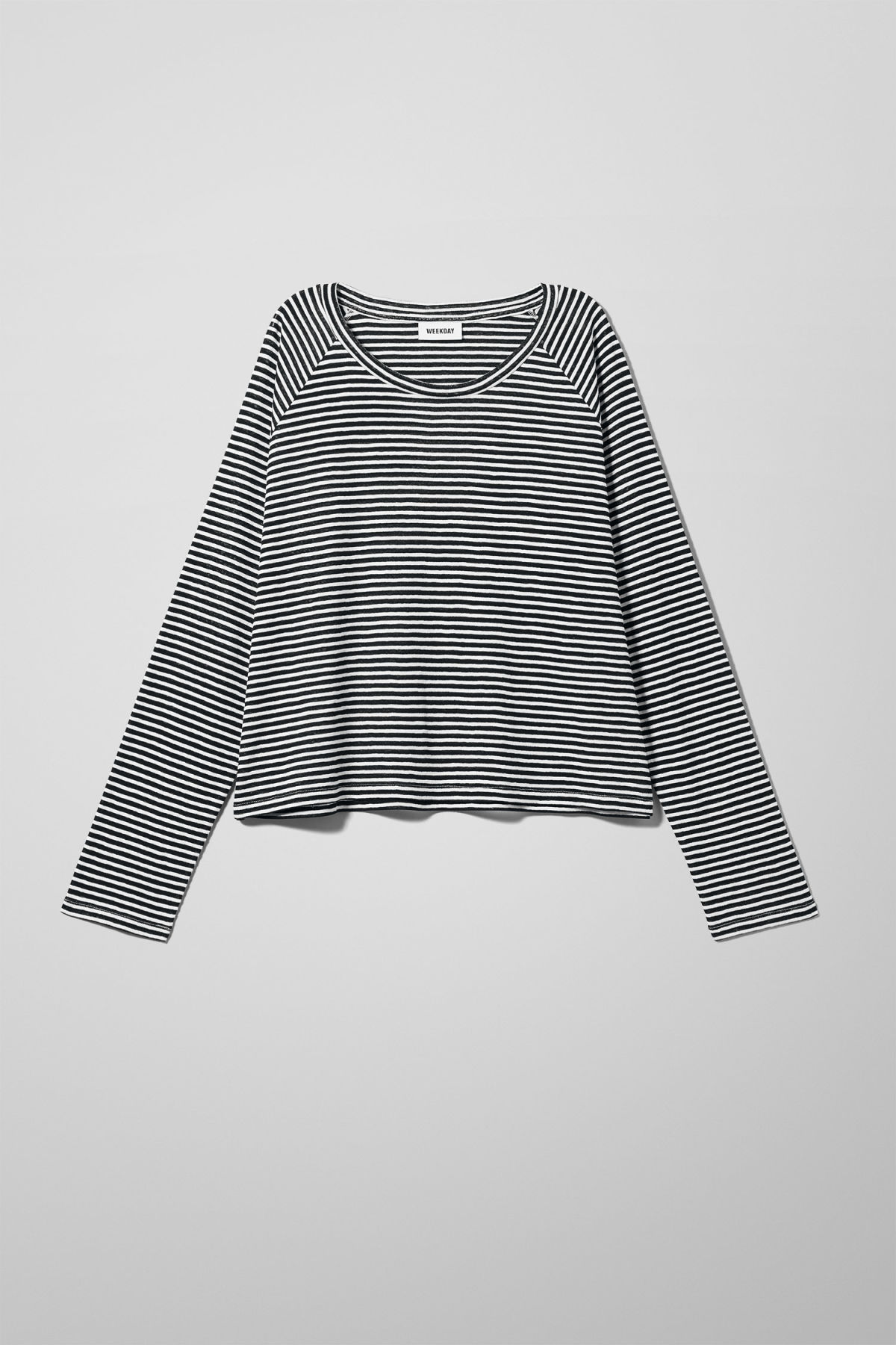 Front image of Weekday base boxy long sleeve  in black