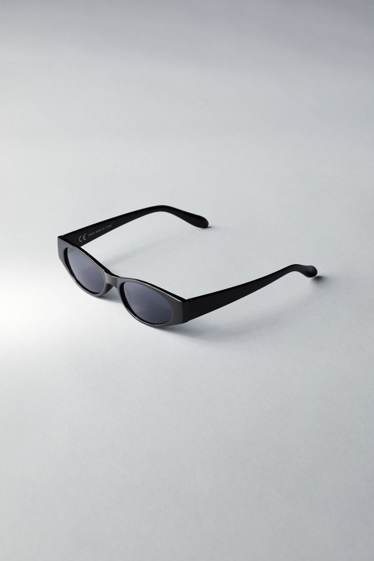 Back image of Weekday jet slim sunglasses in black