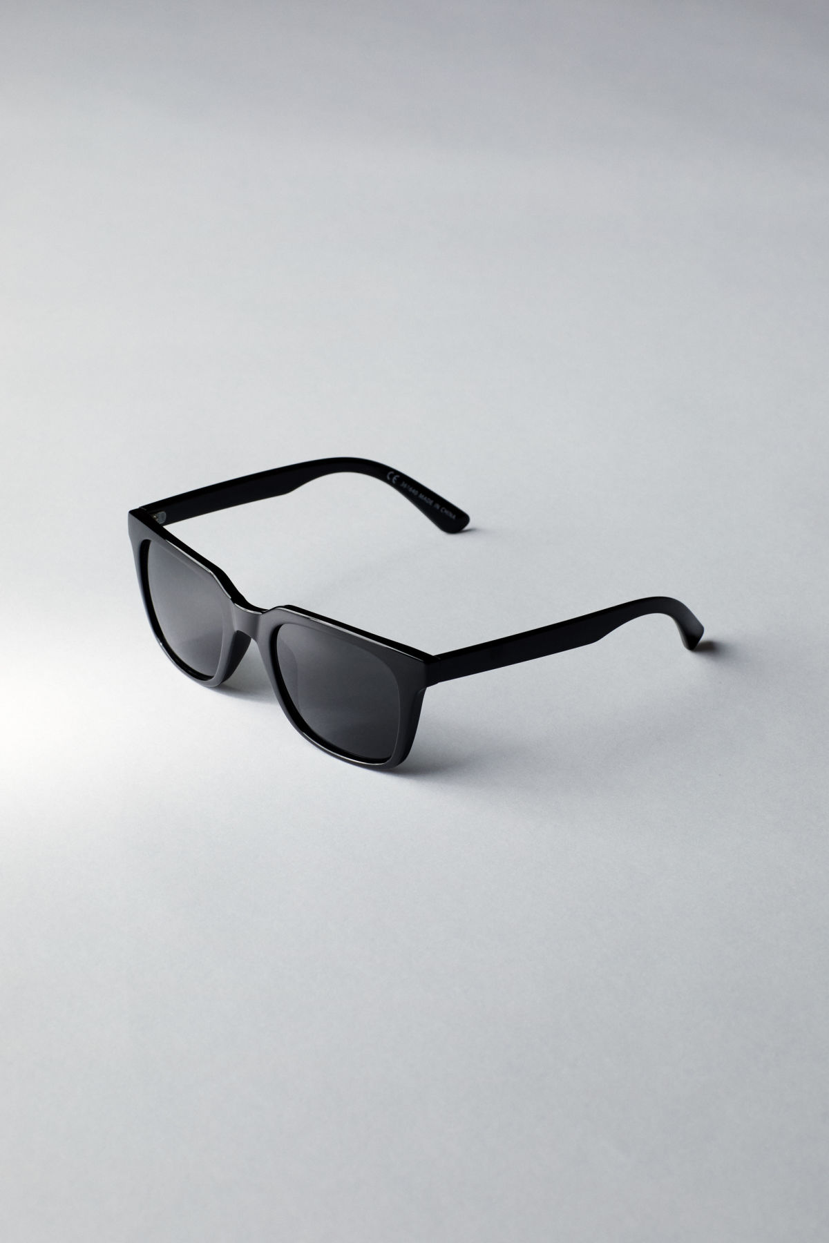 Back image of Weekday gate squared sunglasses in black