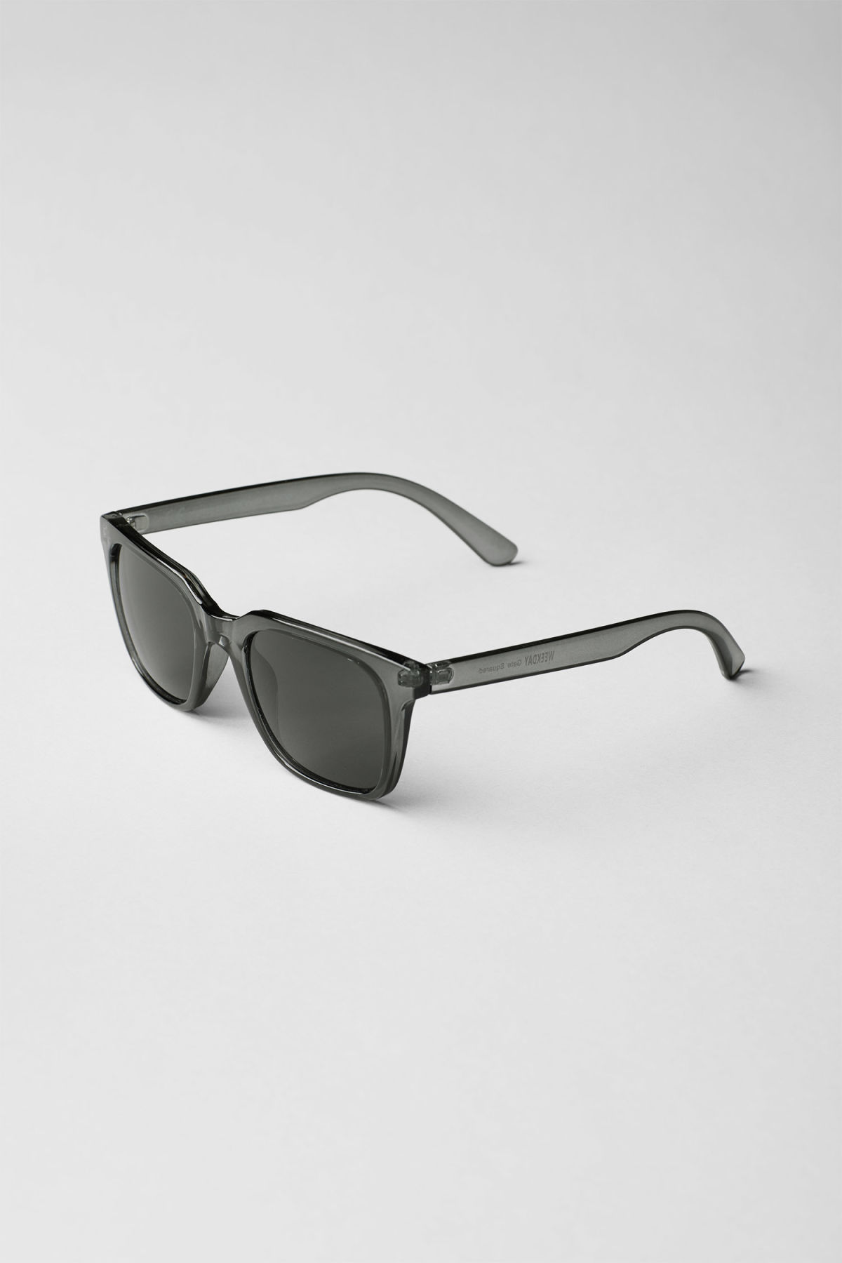 Back image of Weekday gate squared sunglasses in grey
