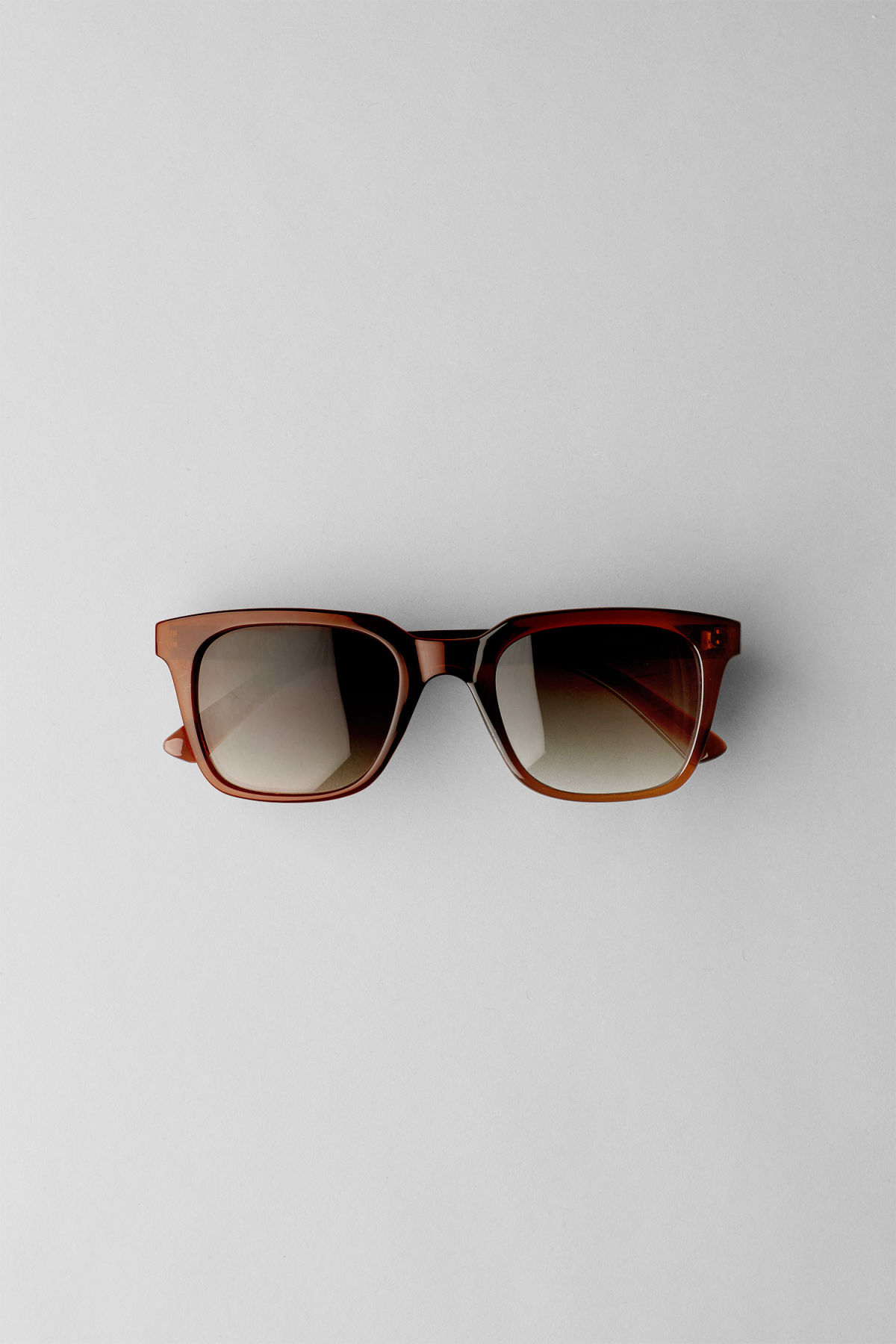 Front image of Weekday gate squared sunglasses in brown