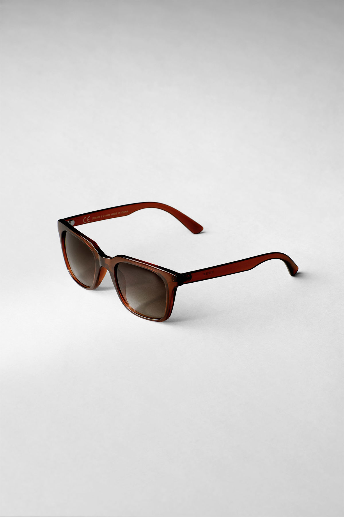 Back image of Weekday gate squared sunglasses in brown