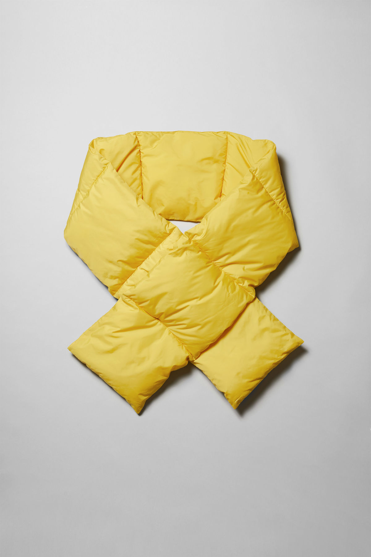 Front image of Weekday  in yellow