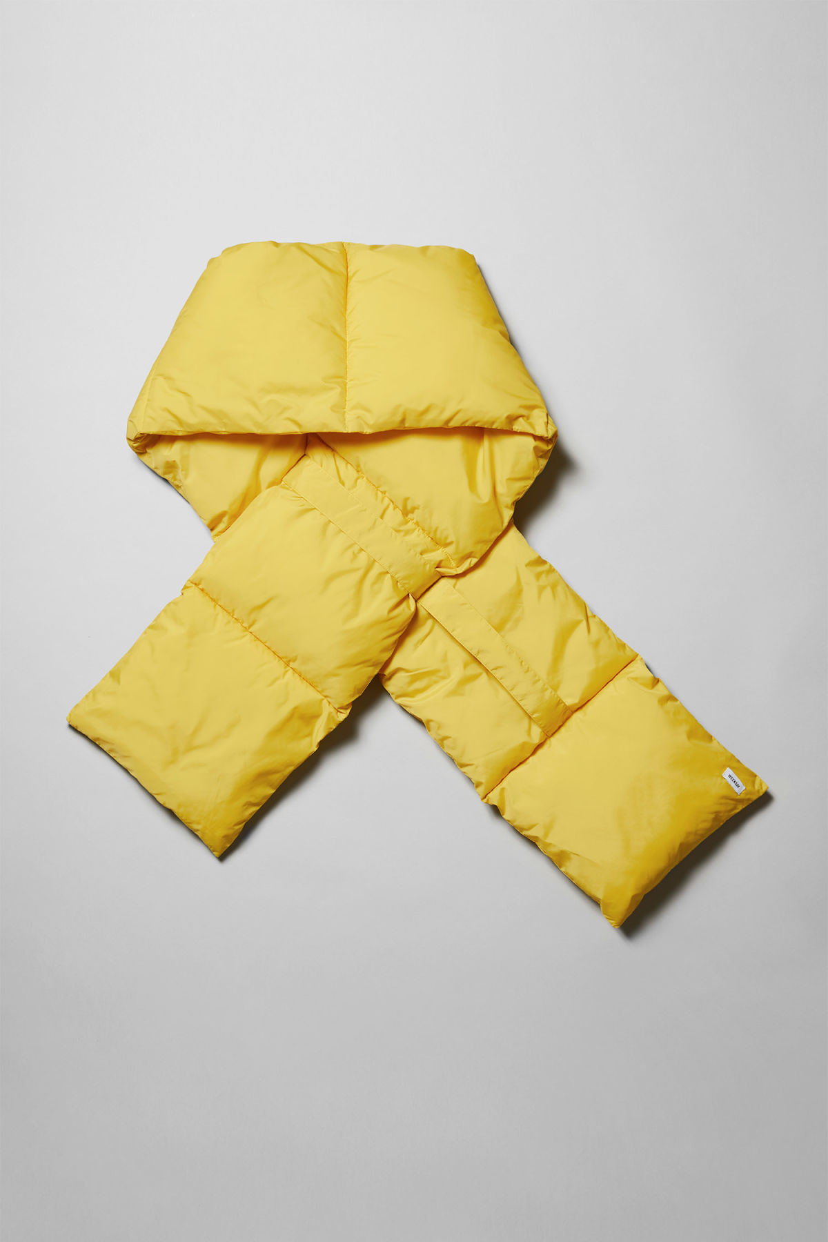 Back image of Weekday  in yellow