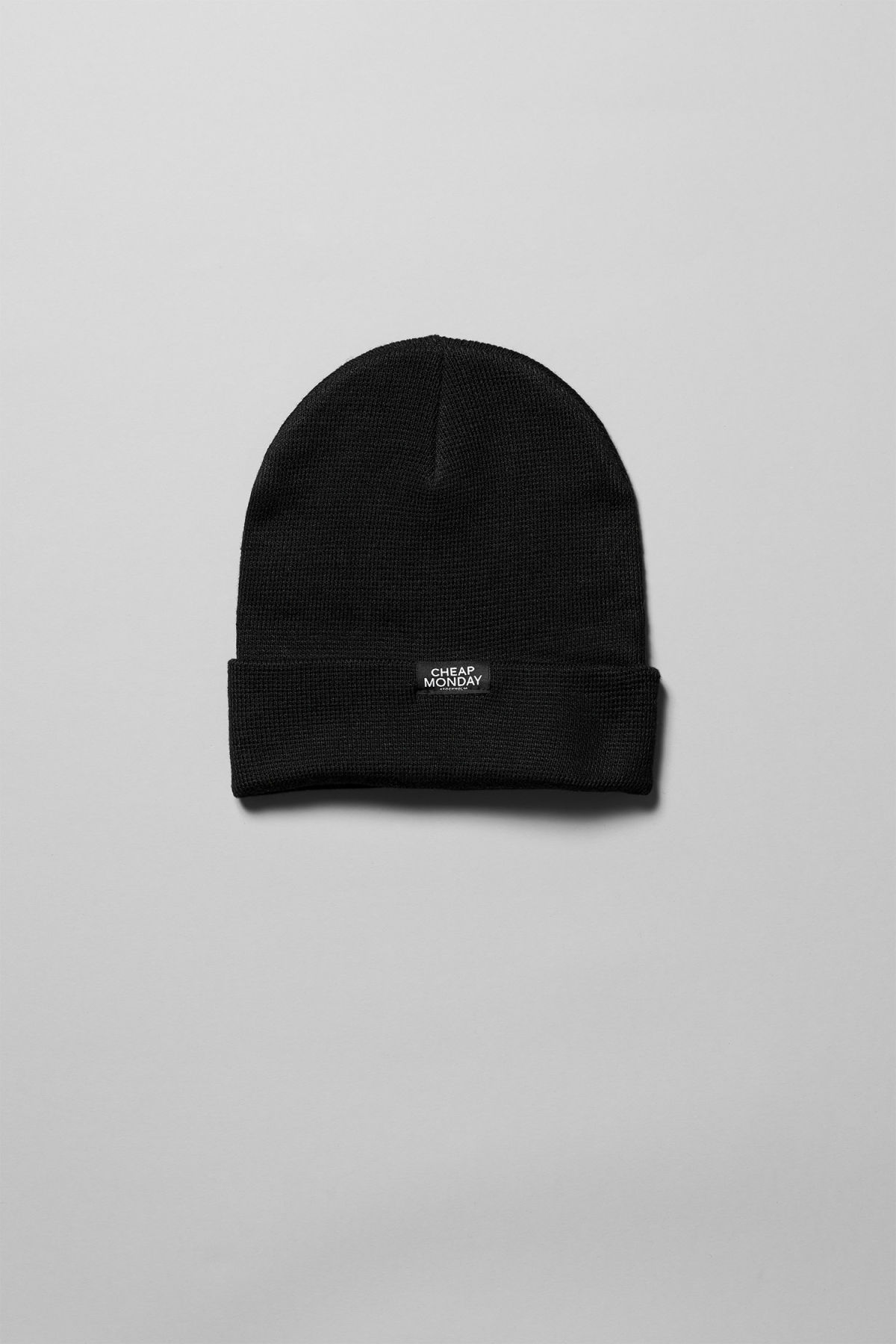 Front image of Weekday cheap beanie in black a0d762e735c