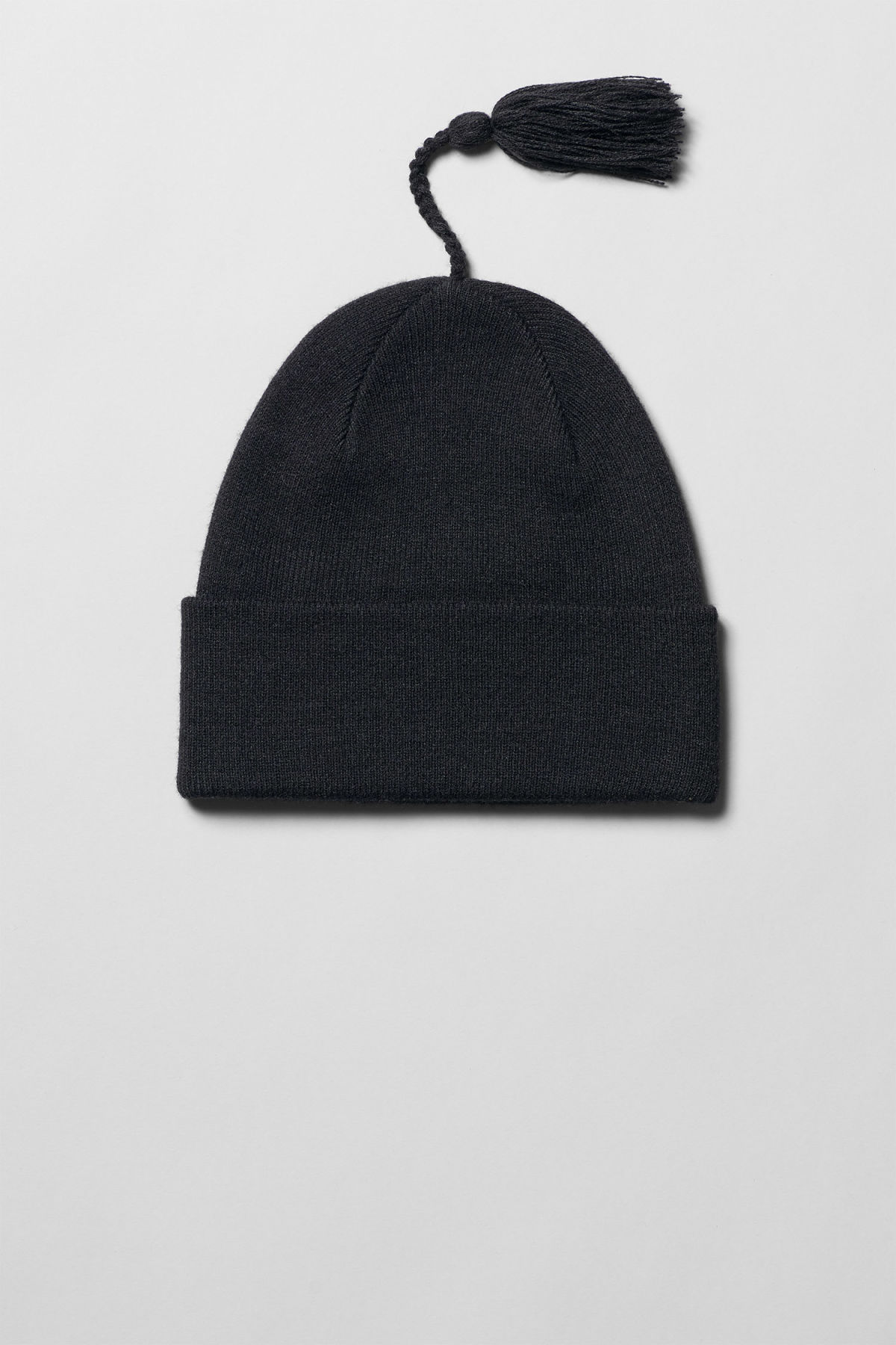 Front image of Weekday leo beanie in black