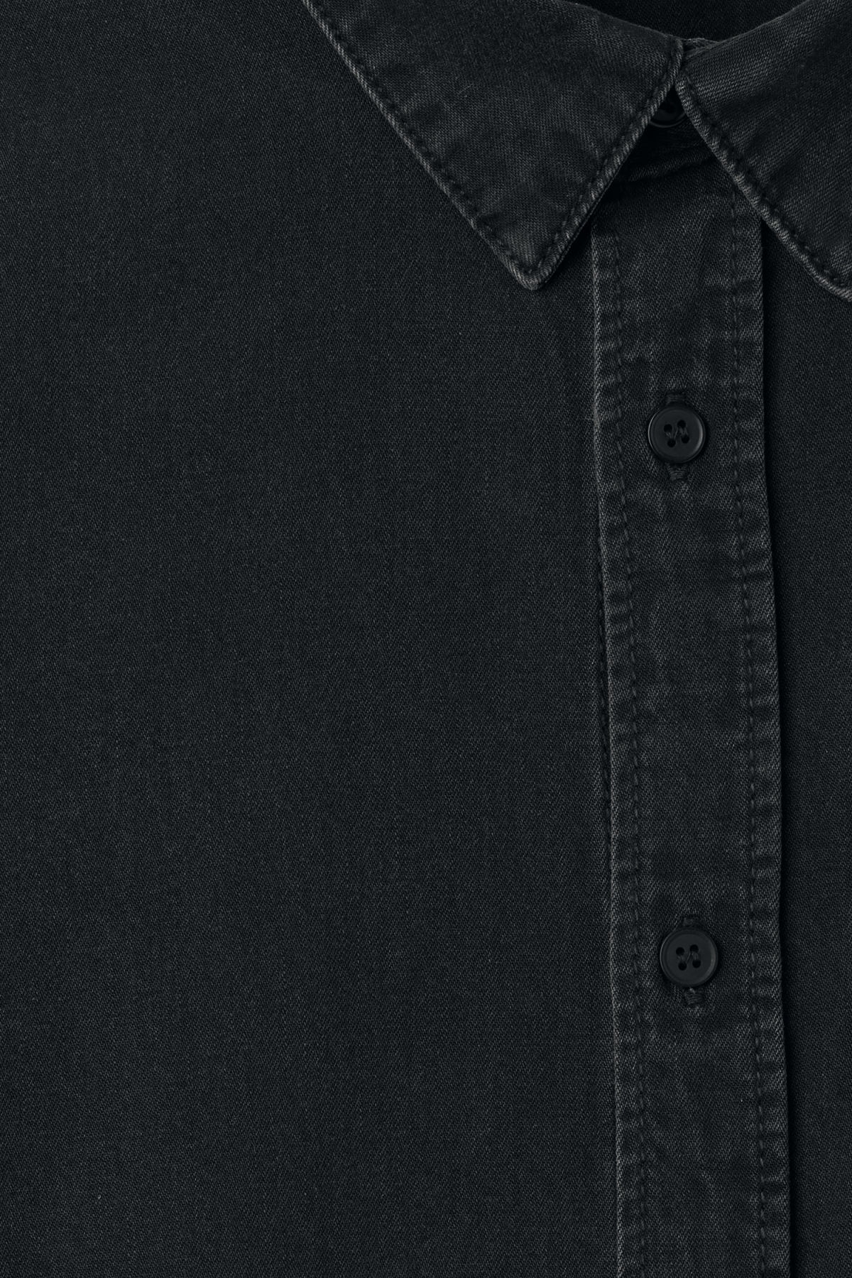 Detailed image of Weekday class shirt in black